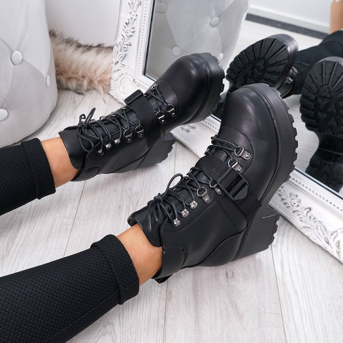 WOMENS LADIES CHUNKY ANKLE BOOTS BIKER BOOT LACE UP BUCKLE SHOES
