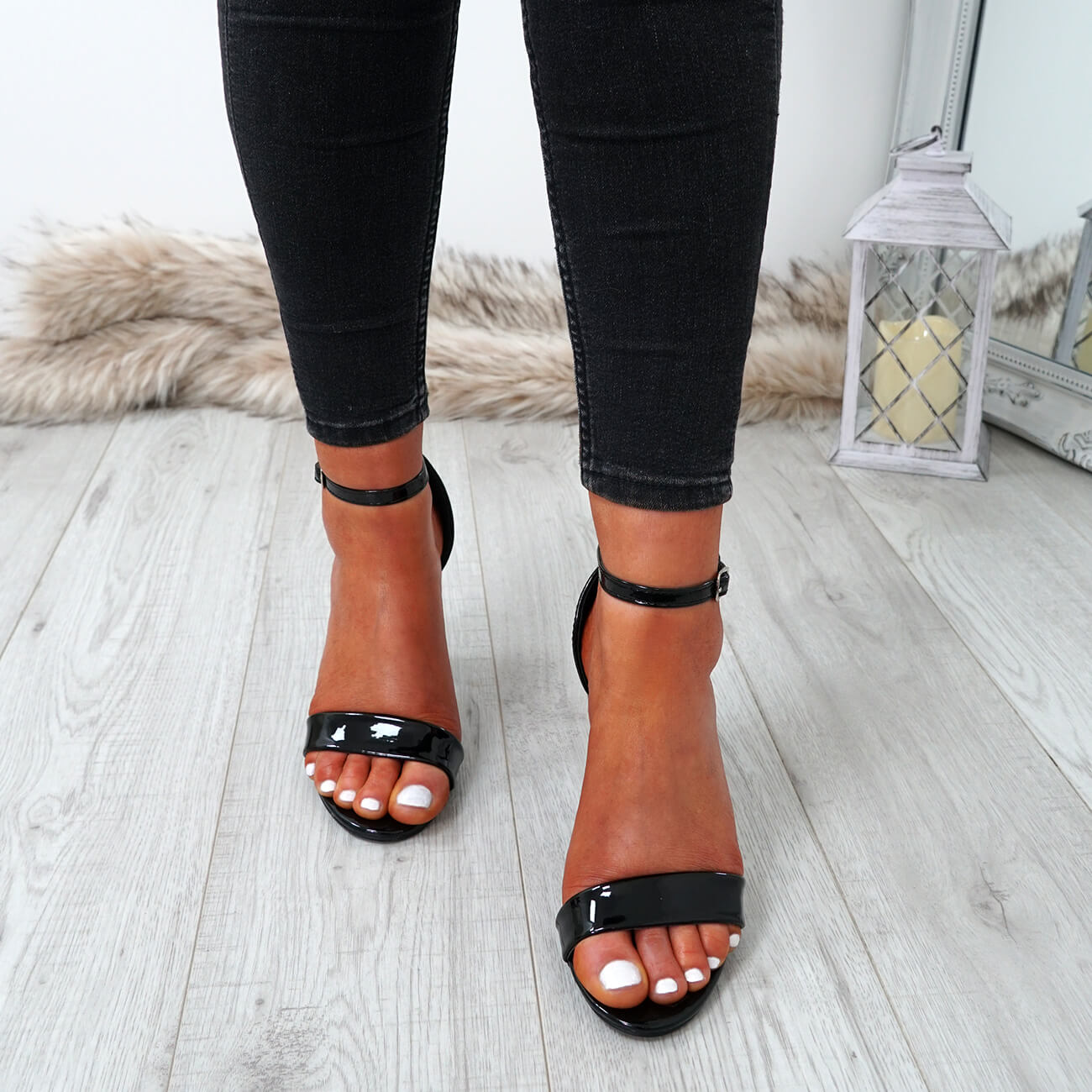 WOMENS-LADIES-ANKLE-STRAP-HIGH-BLOCK-HEEL-SANDALS-PEEP-TOE-PARTY-SHOES-SIZE thumbnail 10