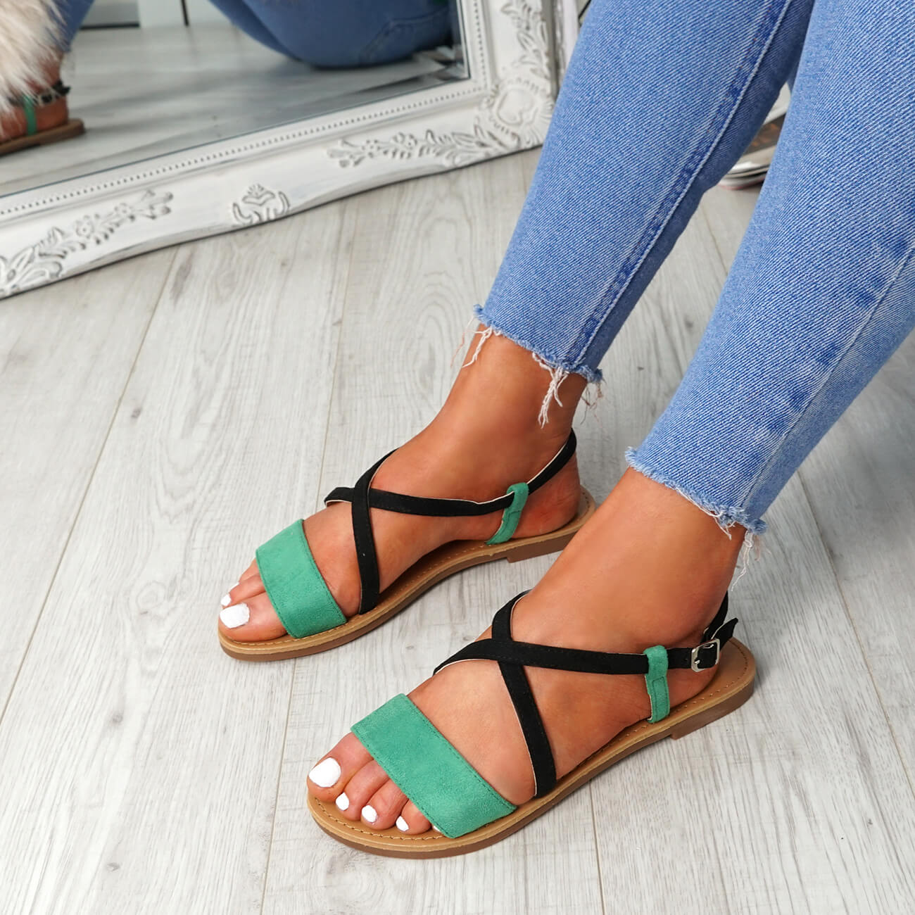 WOMENS-LADIES-ANKLE-STRAP-PEEP-TOE-FLAT-SANDALS-COMFY-SUMMER-SHOES-SIZE thumbnail 13