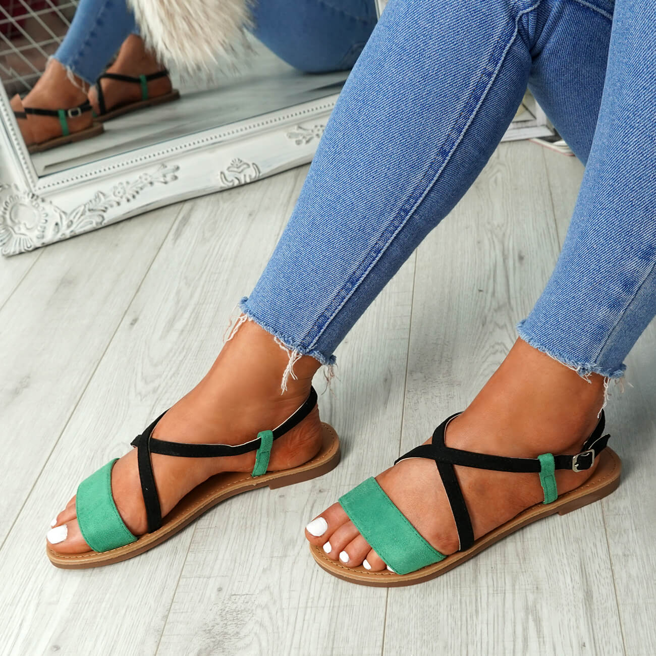 WOMENS-LADIES-ANKLE-STRAP-PEEP-TOE-FLAT-SANDALS-COMFY-SUMMER-SHOES-SIZE thumbnail 14