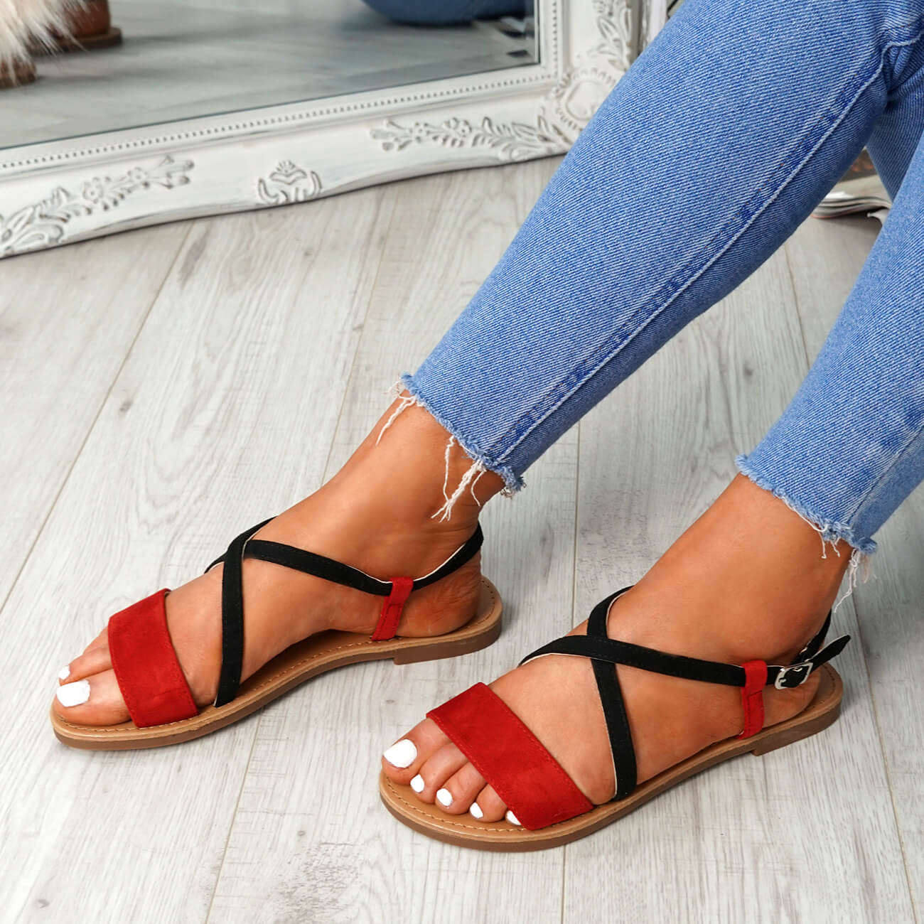 WOMENS-LADIES-ANKLE-STRAP-PEEP-TOE-FLAT-SANDALS-COMFY-SUMMER-SHOES-SIZE thumbnail 19
