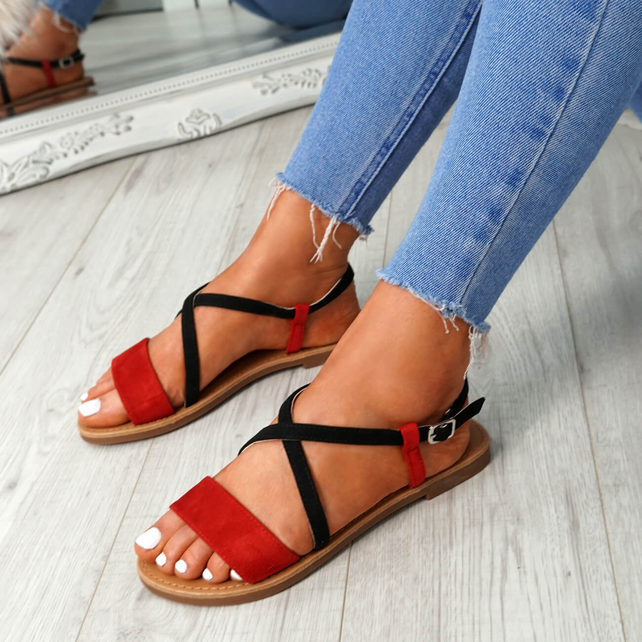WOMENS-LADIES-ANKLE-STRAP-PEEP-TOE-FLAT-SANDALS-COMFY-SUMMER-SHOES-SIZE thumbnail 20