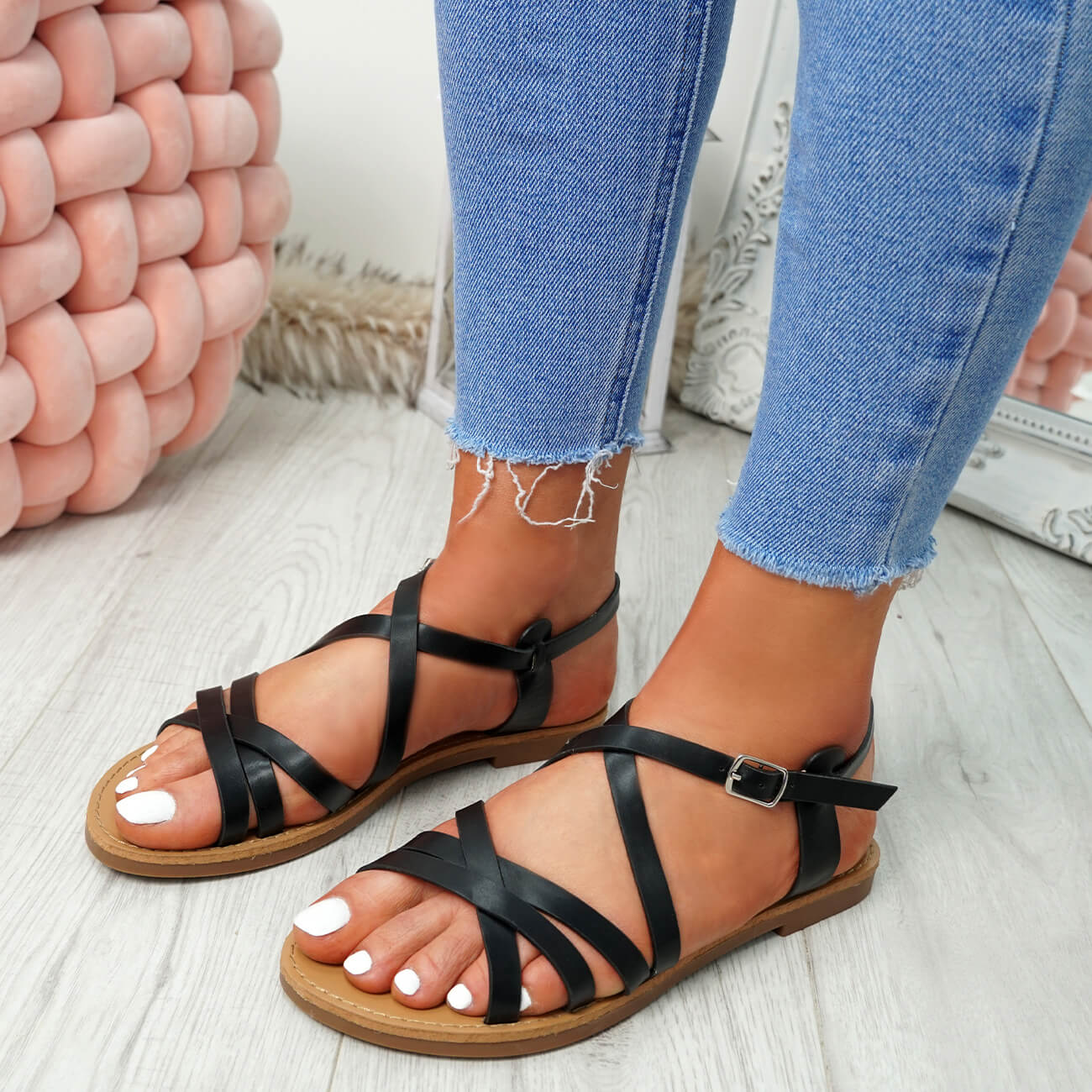WOMENS-LADIES-ANKLE-STRAP-PEEP-TOE-BUCKLE-FLAT-SANDALS-SUMMER-CASUAL-SHOES thumbnail 8