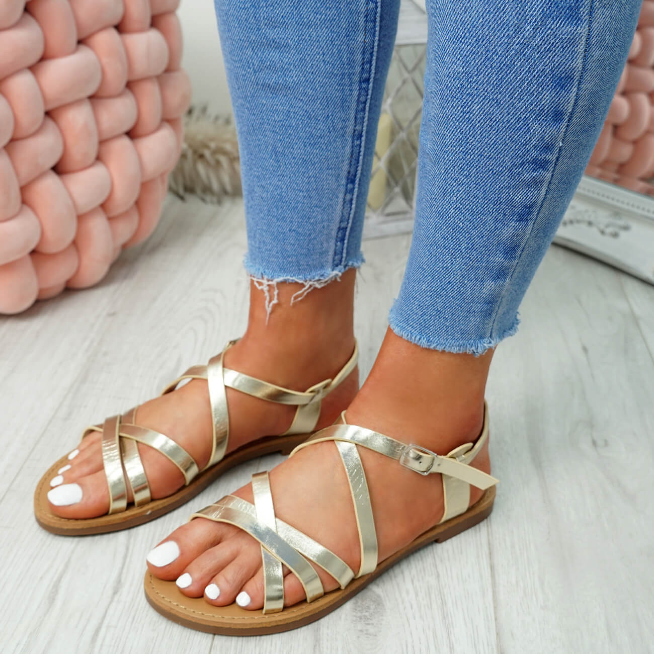 WOMENS-LADIES-ANKLE-STRAP-PEEP-TOE-BUCKLE-FLAT-SANDALS-SUMMER-CASUAL-SHOES thumbnail 17