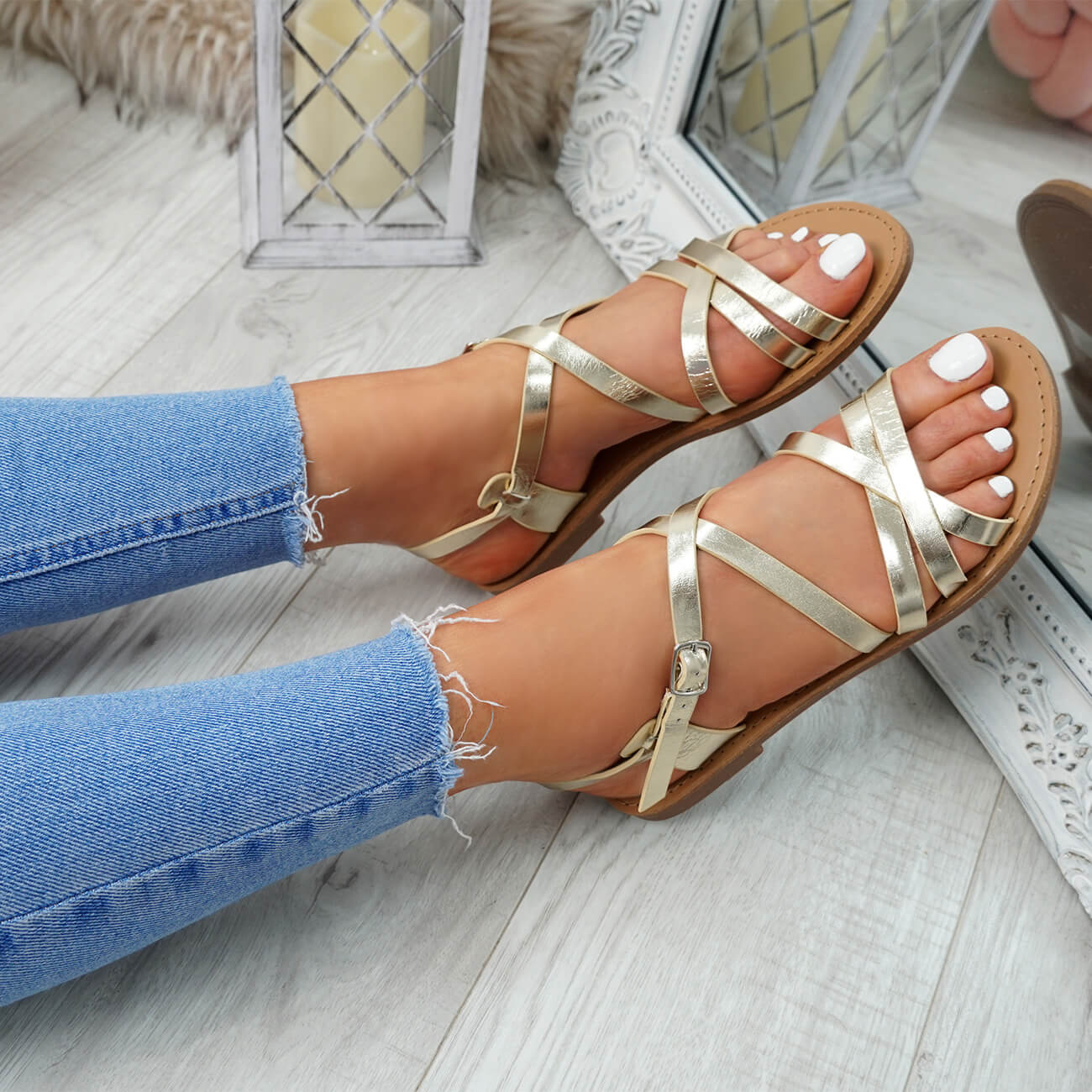 WOMENS-LADIES-ANKLE-STRAP-PEEP-TOE-BUCKLE-FLAT-SANDALS-SUMMER-CASUAL-SHOES thumbnail 18