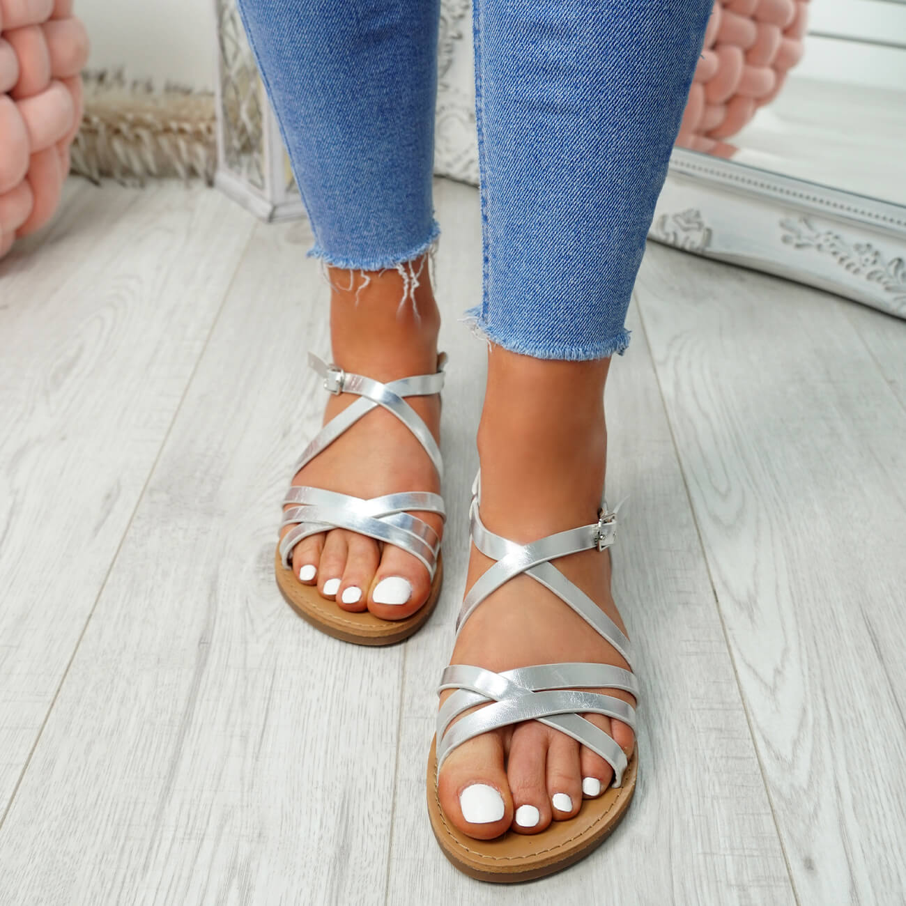 WOMENS-LADIES-ANKLE-STRAP-PEEP-TOE-BUCKLE-FLAT-SANDALS-SUMMER-CASUAL-SHOES thumbnail 22