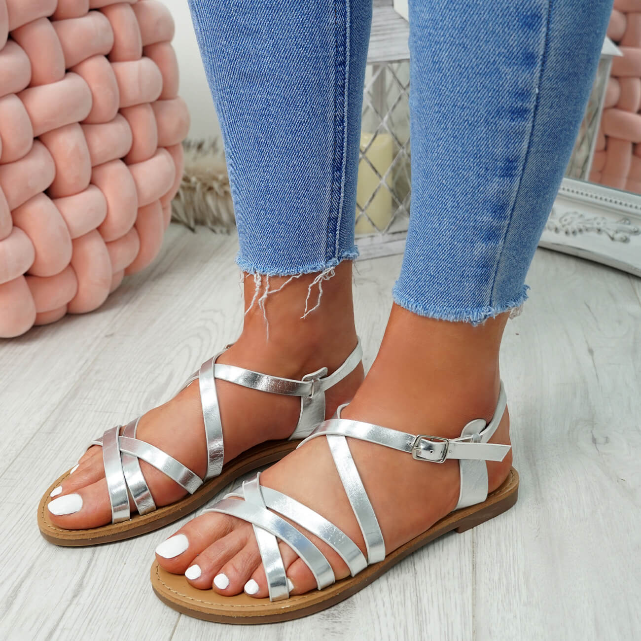 WOMENS-LADIES-ANKLE-STRAP-PEEP-TOE-BUCKLE-FLAT-SANDALS-SUMMER-CASUAL-SHOES thumbnail 23