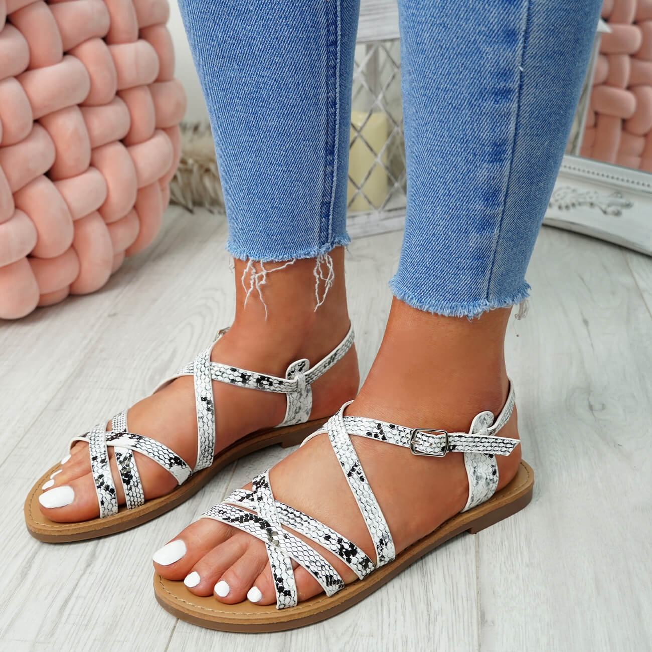 WOMENS-LADIES-ANKLE-STRAP-PEEP-TOE-BUCKLE-FLAT-SANDALS-SUMMER-CASUAL-SHOES thumbnail 27
