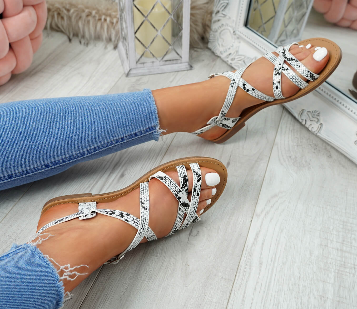 WOMENS-LADIES-ANKLE-STRAP-PEEP-TOE-BUCKLE-FLAT-SANDALS-SUMMER-CASUAL-SHOES thumbnail 29