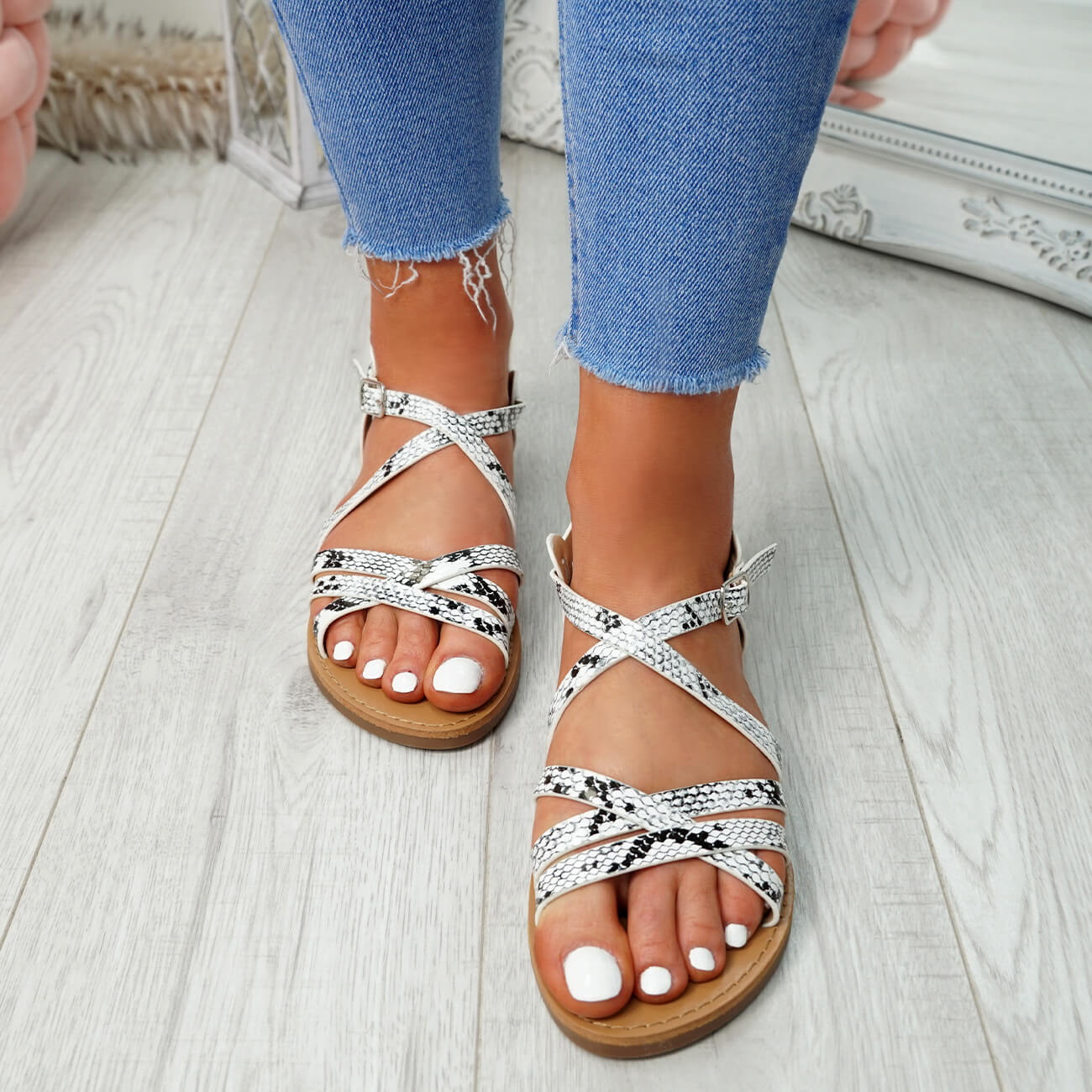 WOMENS-LADIES-ANKLE-STRAP-PEEP-TOE-BUCKLE-FLAT-SANDALS-SUMMER-CASUAL-SHOES thumbnail 30