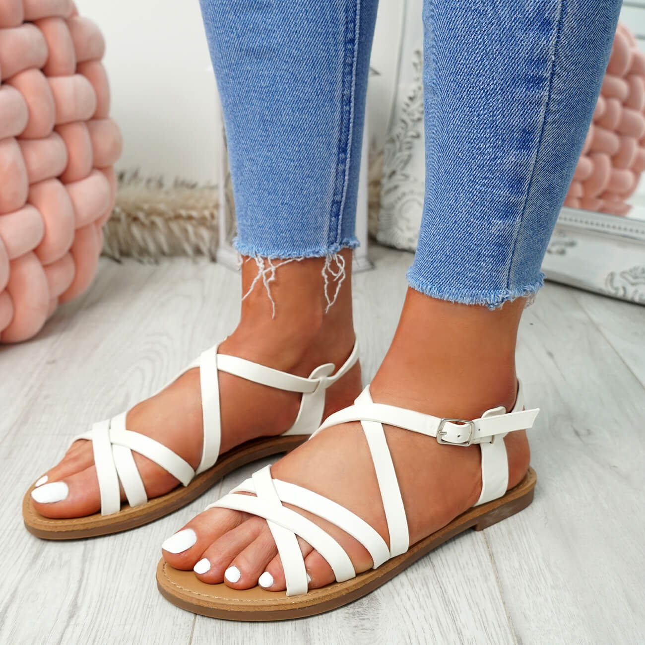 WOMENS-LADIES-ANKLE-STRAP-PEEP-TOE-BUCKLE-FLAT-SANDALS-SUMMER-CASUAL-SHOES thumbnail 33