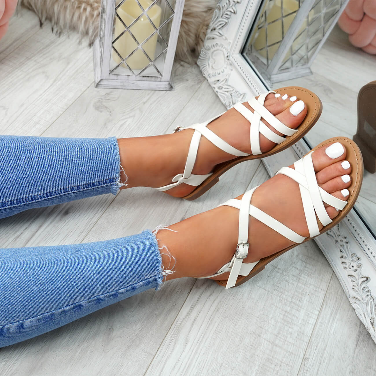 WOMENS-LADIES-ANKLE-STRAP-PEEP-TOE-BUCKLE-FLAT-SANDALS-SUMMER-CASUAL-SHOES thumbnail 34