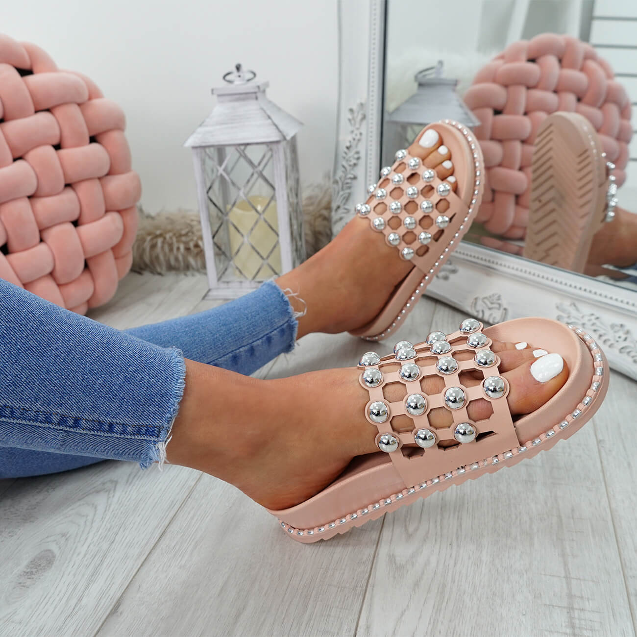 WOMENS-LADIES-PEARL-STUDDED-SLIP-ON-FLAT-SANDALS-HEELS-FLIP-FLOP-SHOES-SIZE thumbnail 14