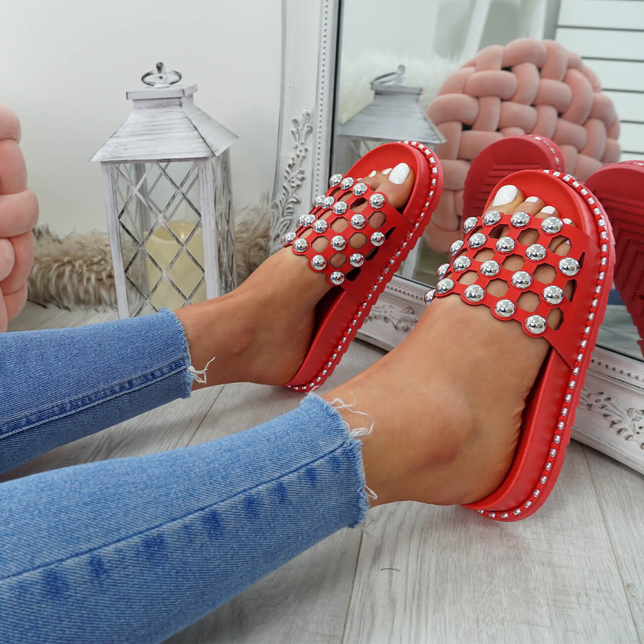 WOMENS-LADIES-PEARL-STUDDED-SLIP-ON-FLAT-SANDALS-HEELS-FLIP-FLOP-SHOES-SIZE thumbnail 18