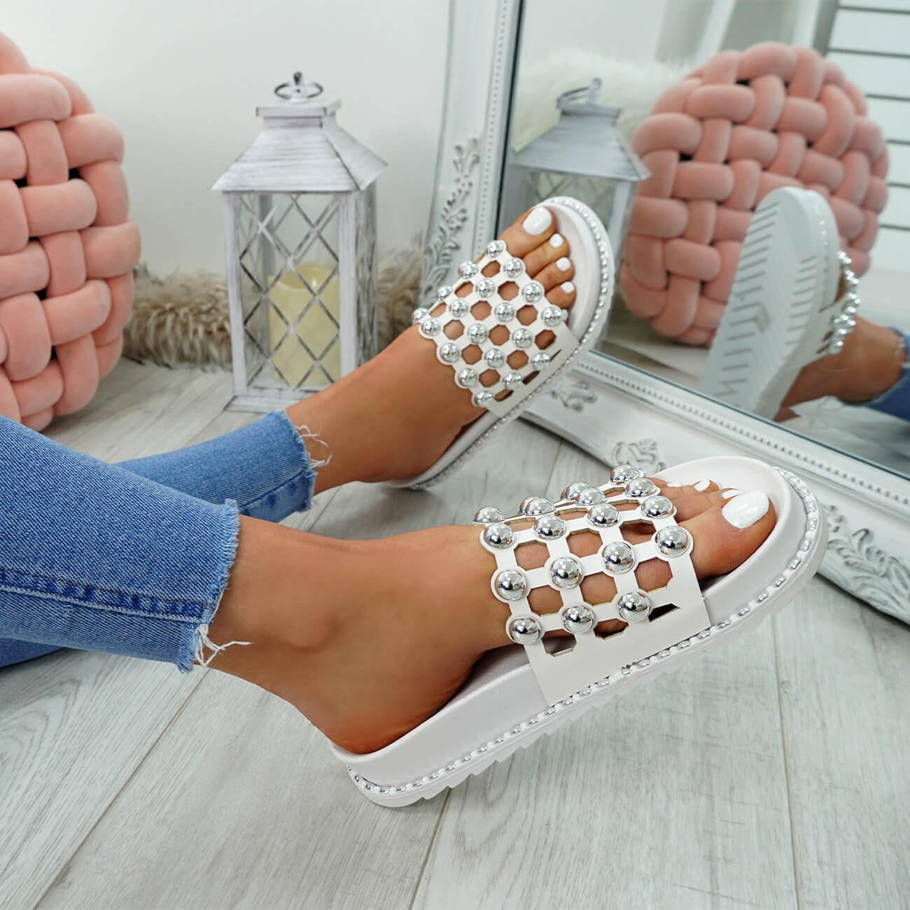 WOMENS-LADIES-PEARL-STUDDED-SLIP-ON-FLAT-SANDALS-HEELS-FLIP-FLOP-SHOES-SIZE thumbnail 24