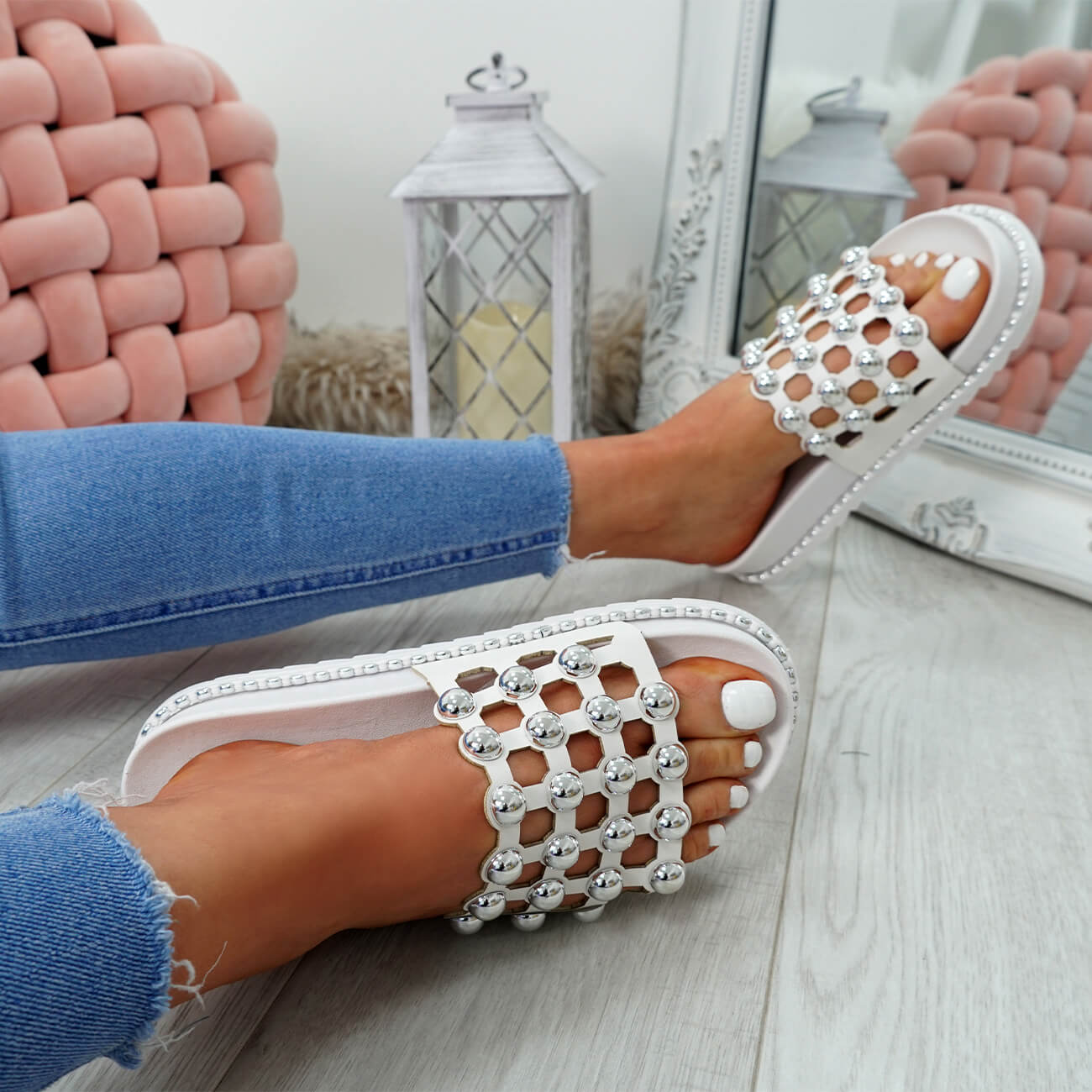 WOMENS-LADIES-PEARL-STUDDED-SLIP-ON-FLAT-SANDALS-HEELS-FLIP-FLOP-SHOES-SIZE thumbnail 25