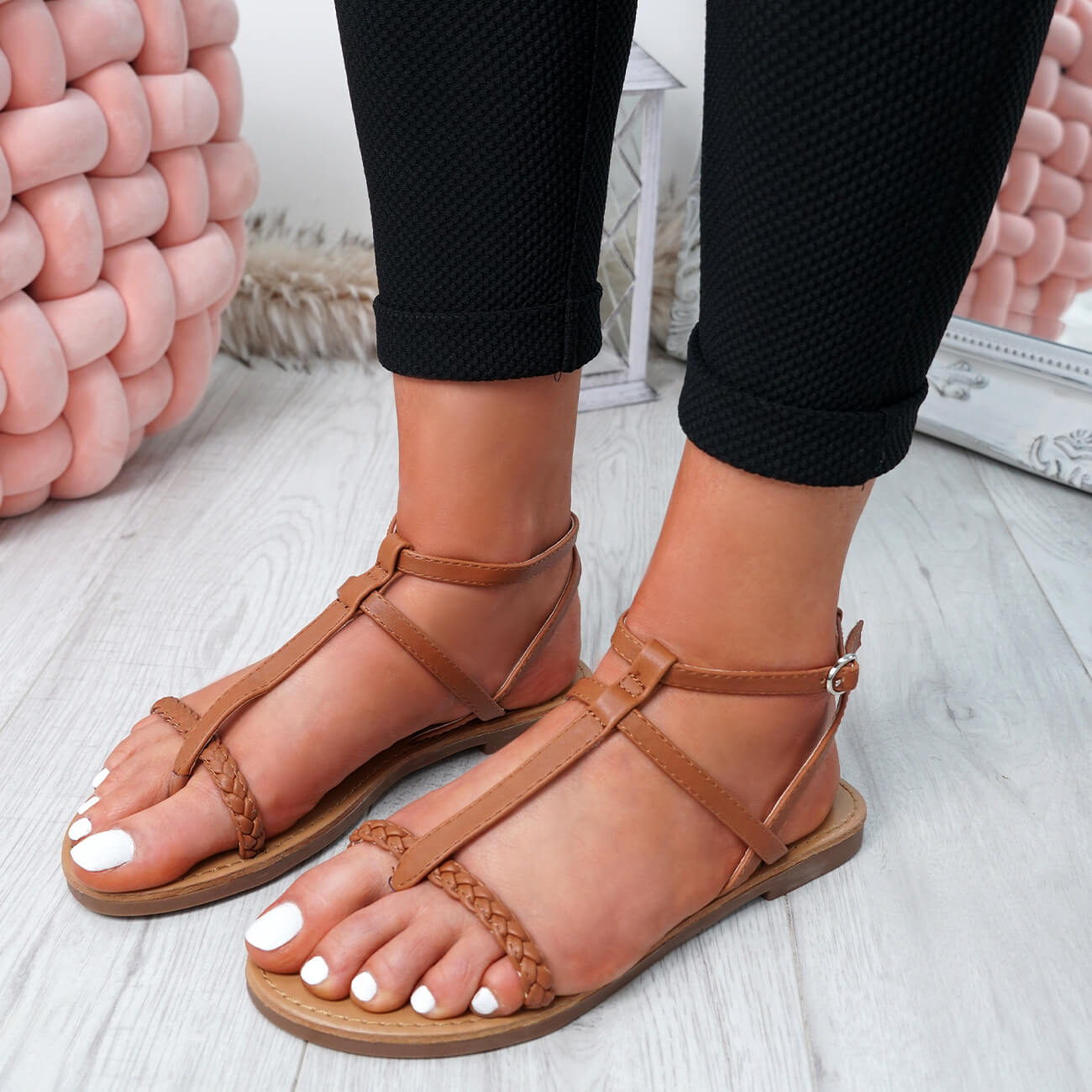 WOMENS-LADIES-T-STRAP-FLAT-SANDALS-BUCKLE-CASUAL-SUMMER-SHOES-SIZE-UK thumbnail 15