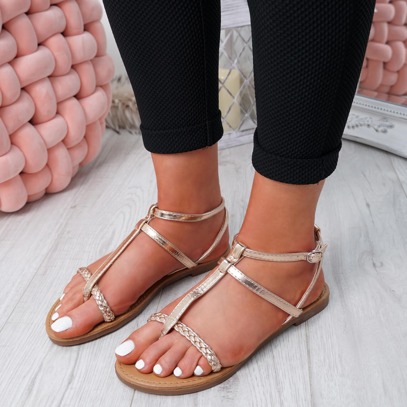 WOMENS-LADIES-T-STRAP-FLAT-SANDALS-BUCKLE-CASUAL-SUMMER-SHOES-SIZE-UK thumbnail 17