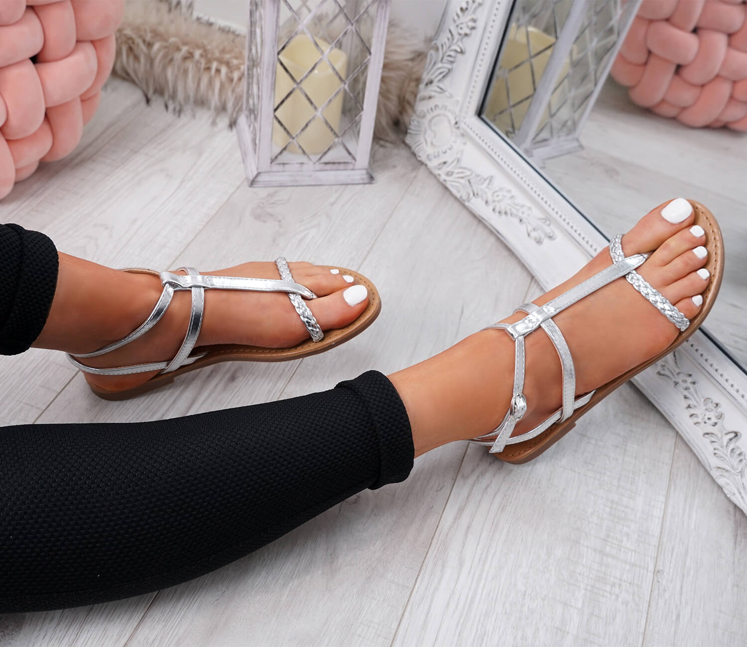 WOMENS-LADIES-T-STRAP-FLAT-SANDALS-BUCKLE-CASUAL-SUMMER-SHOES-SIZE-UK thumbnail 29