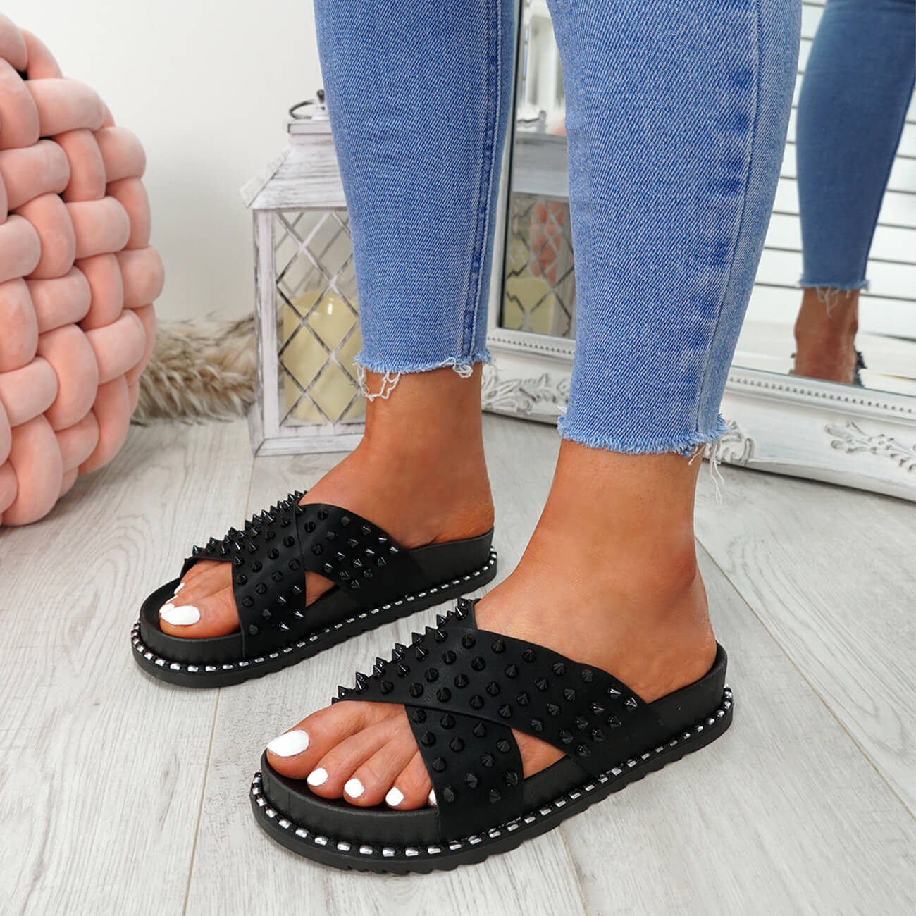 WOMENS-LADIES-SPIKE-STUDS-PEEP-TOE-FLAT-SANDALS-FLIP-FLOPS-SLIP-ON-SHOES-SIZE thumbnail 9