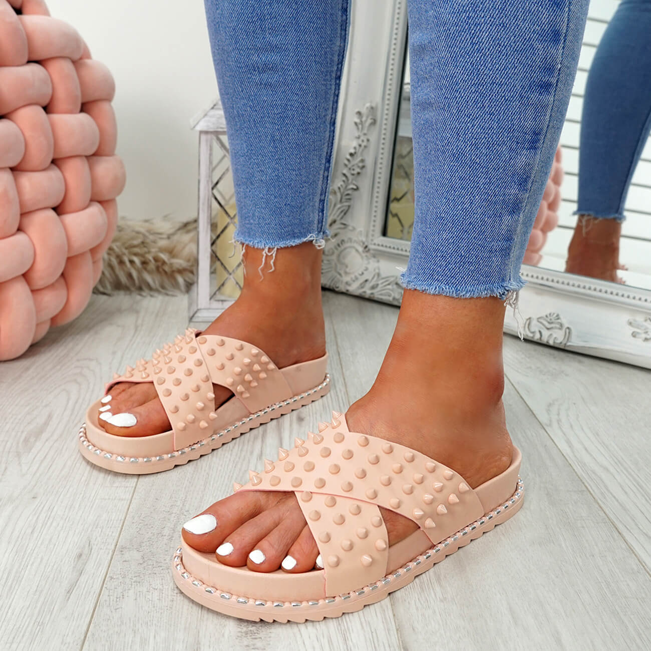 WOMENS-LADIES-SPIKE-STUDS-PEEP-TOE-FLAT-SANDALS-FLIP-FLOPS-SLIP-ON-SHOES-SIZE thumbnail 14