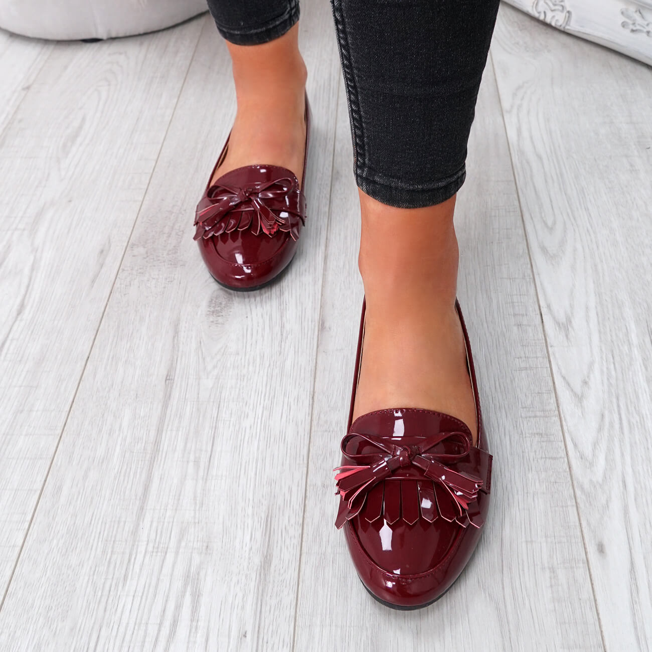 WOMENS-LADIES-FRINGE-BALLERINAS-SLIP-ON-FLAT-DOLLY-PUMPS-CASUAL-SMART-SHOES-SIZE thumbnail 37