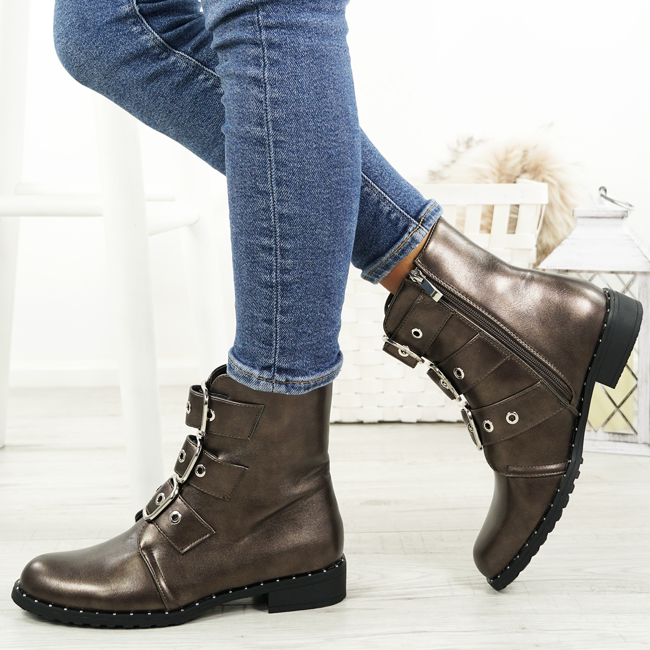 LADIES-WOMENS-BIKER-ANKLE-BOOTS-ZIP-STUDDED-LOW-HEEL-COMFY-SHOES-SIZES thumbnail 17