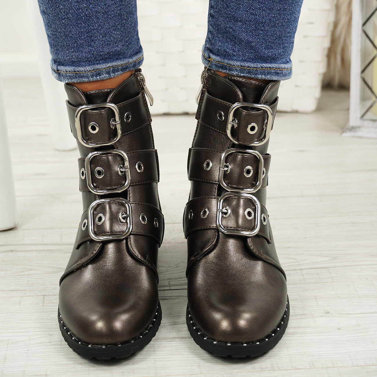 LADIES-WOMENS-BIKER-ANKLE-BOOTS-ZIP-STUDDED-LOW-HEEL-COMFY-SHOES-SIZES thumbnail 18