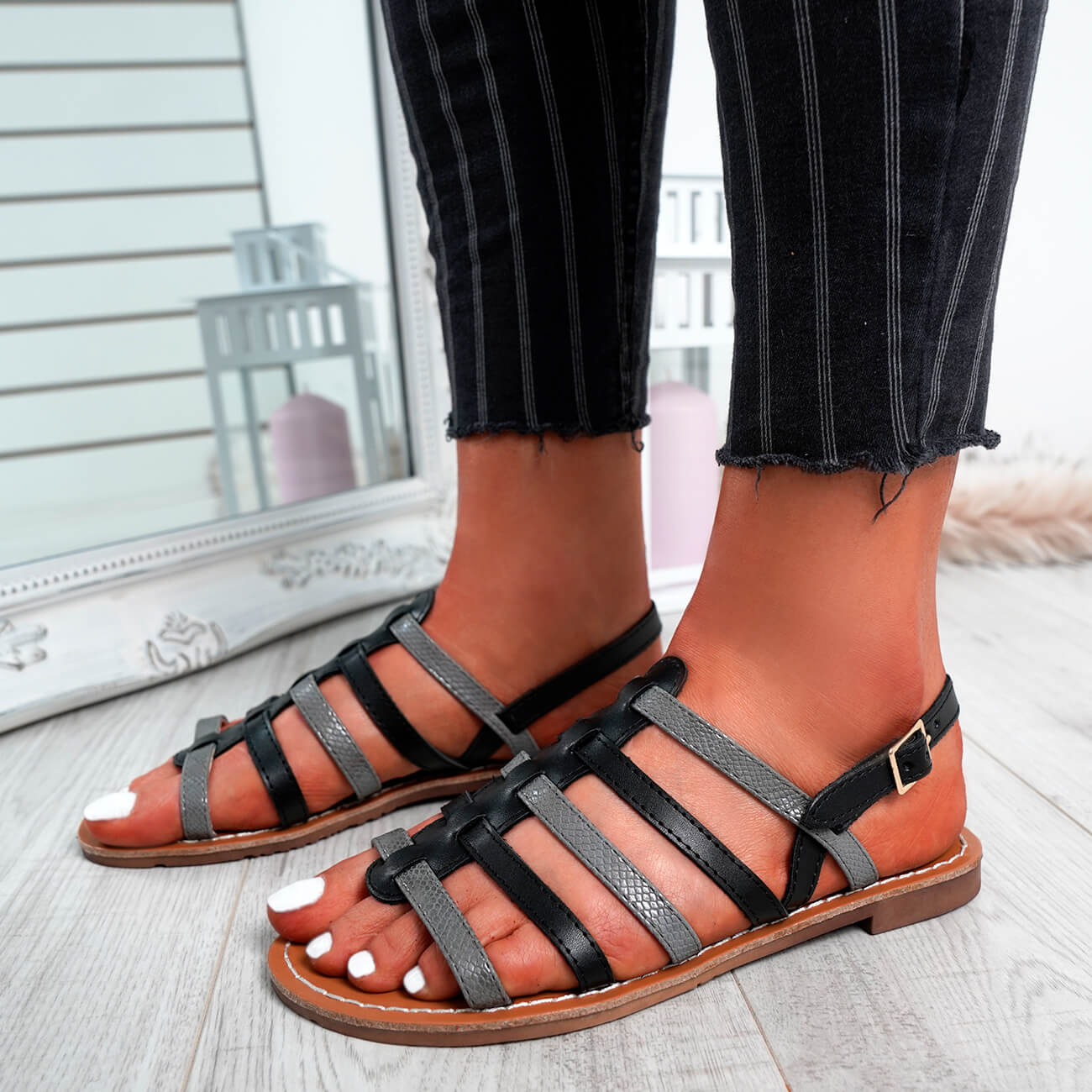 WOMENS-LADIES-BUCKLE-STRAP-FLAT-SUMMER-SANDALS-CASUAL-HOLIDAY-COMFY-SHOES-SIZE thumbnail 7