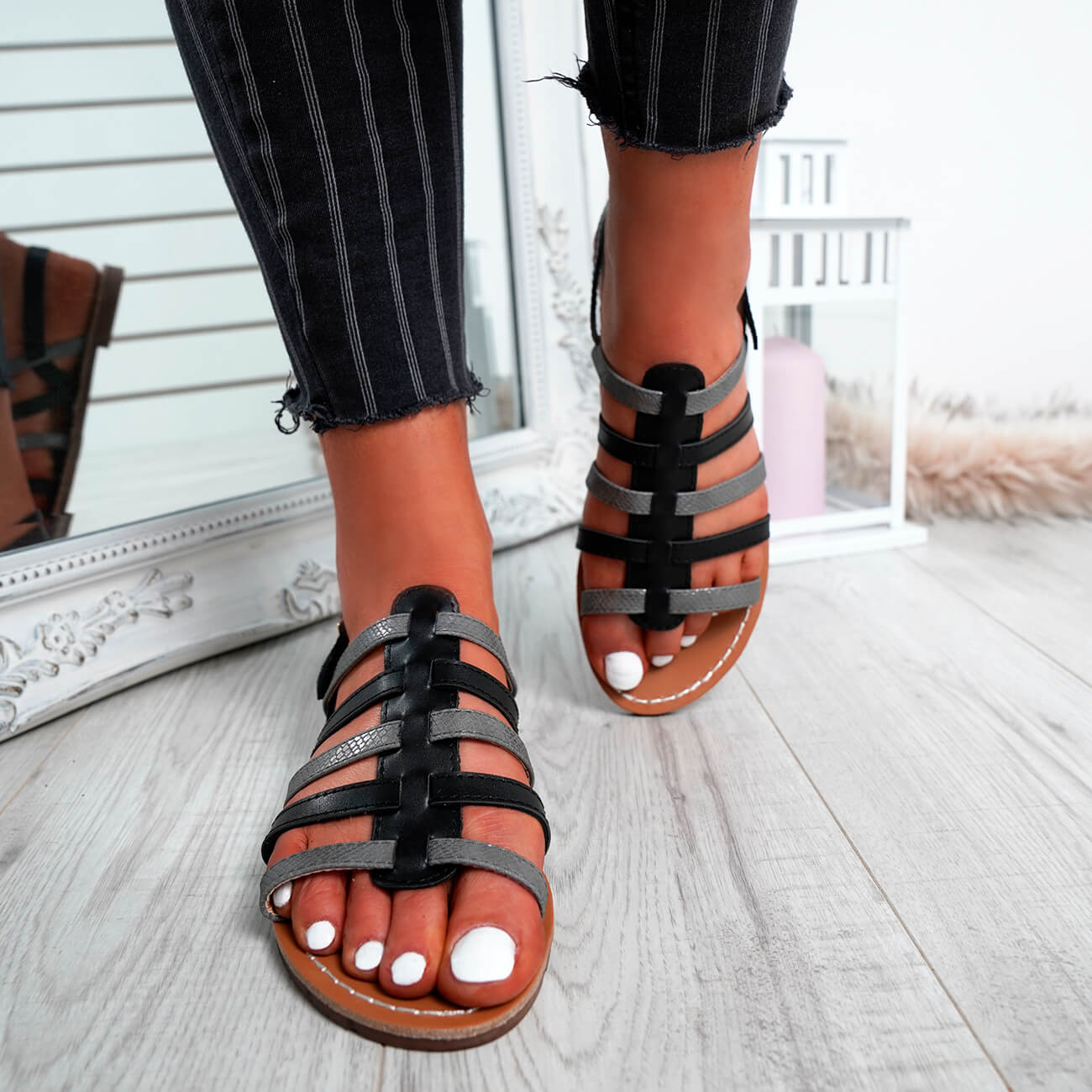 WOMENS-LADIES-BUCKLE-STRAP-FLAT-SUMMER-SANDALS-CASUAL-HOLIDAY-COMFY-SHOES-SIZE thumbnail 8