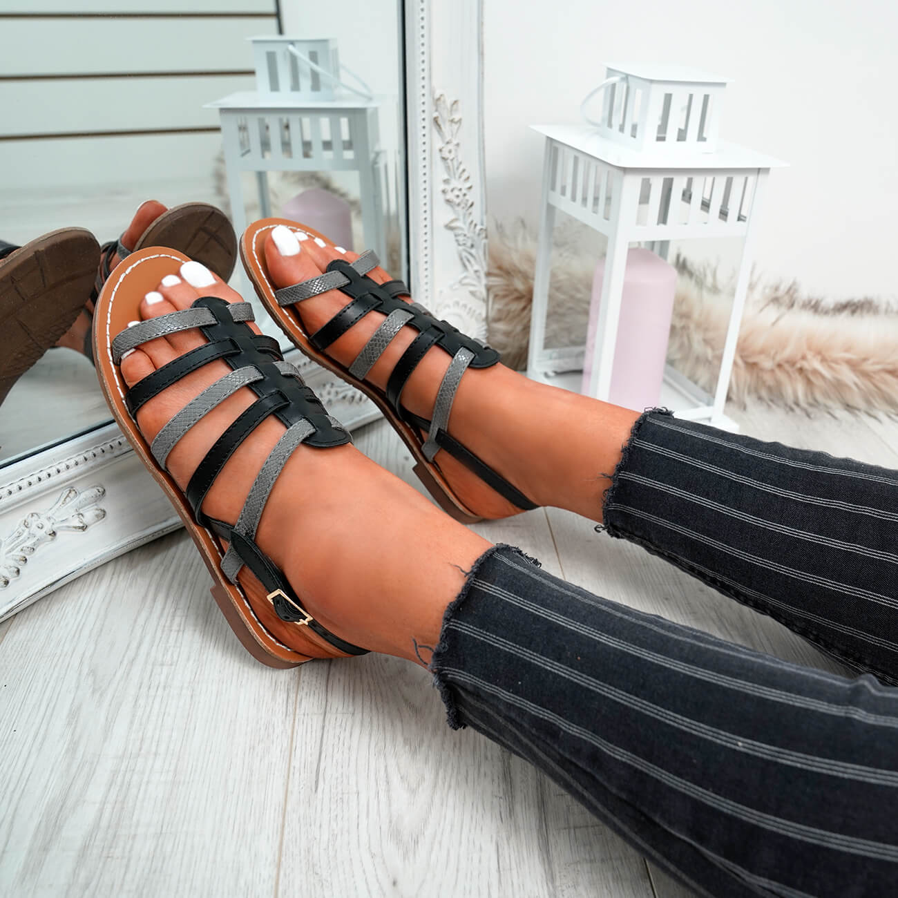 WOMENS-LADIES-BUCKLE-STRAP-FLAT-SUMMER-SANDALS-CASUAL-HOLIDAY-COMFY-SHOES-SIZE thumbnail 9