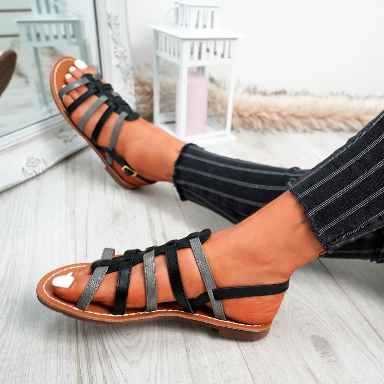 WOMENS-LADIES-BUCKLE-STRAP-FLAT-SUMMER-SANDALS-CASUAL-HOLIDAY-COMFY-SHOES-SIZE thumbnail 10