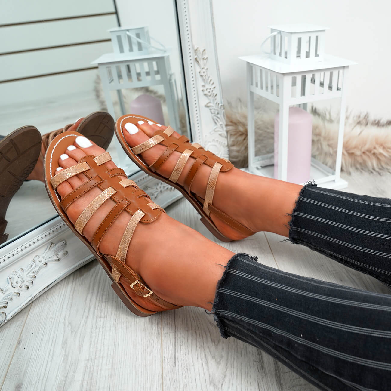 WOMENS-LADIES-BUCKLE-STRAP-FLAT-SUMMER-SANDALS-CASUAL-HOLIDAY-COMFY-SHOES-SIZE thumbnail 13