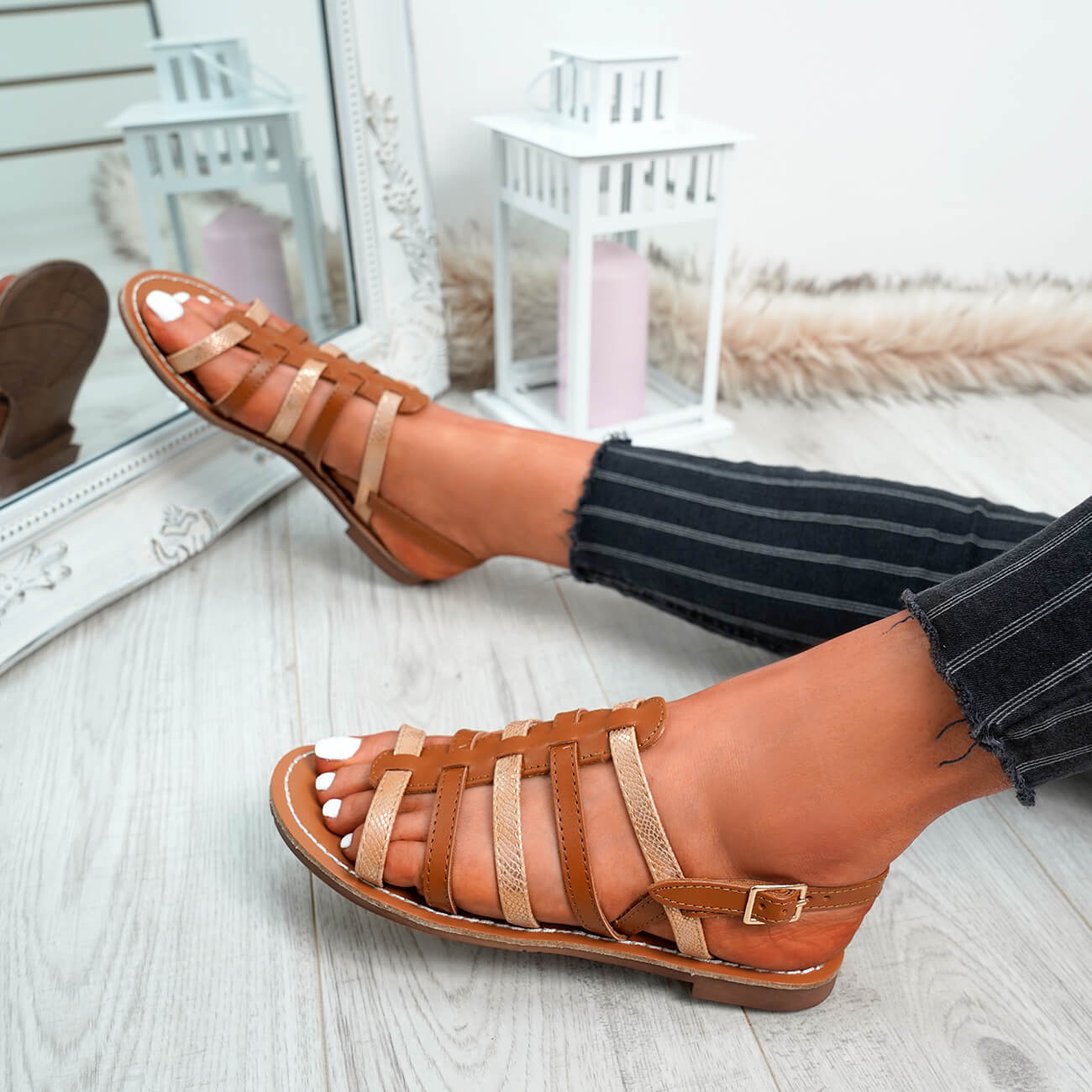 WOMENS-LADIES-BUCKLE-STRAP-FLAT-SUMMER-SANDALS-CASUAL-HOLIDAY-COMFY-SHOES-SIZE thumbnail 14
