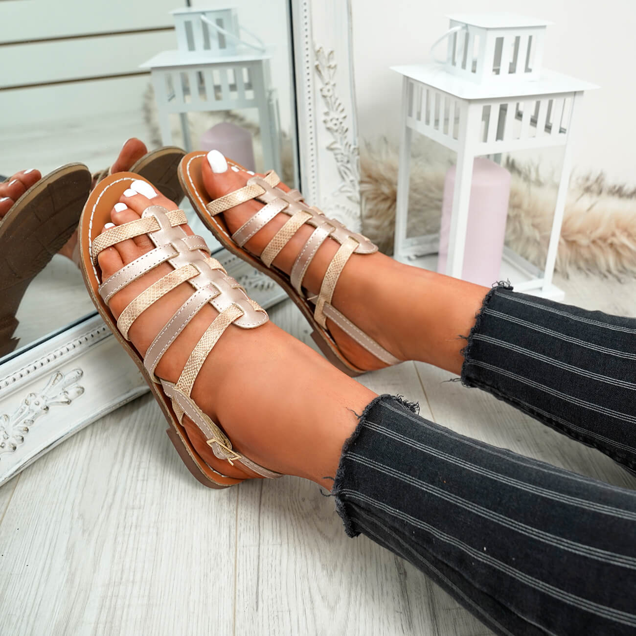 WOMENS-LADIES-BUCKLE-STRAP-FLAT-SUMMER-SANDALS-CASUAL-HOLIDAY-COMFY-SHOES-SIZE thumbnail 17