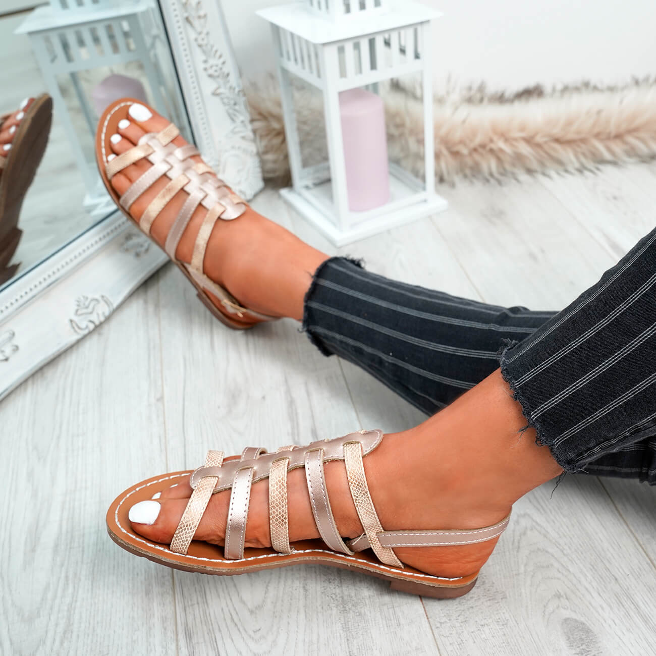 WOMENS-LADIES-BUCKLE-STRAP-FLAT-SUMMER-SANDALS-CASUAL-HOLIDAY-COMFY-SHOES-SIZE thumbnail 18