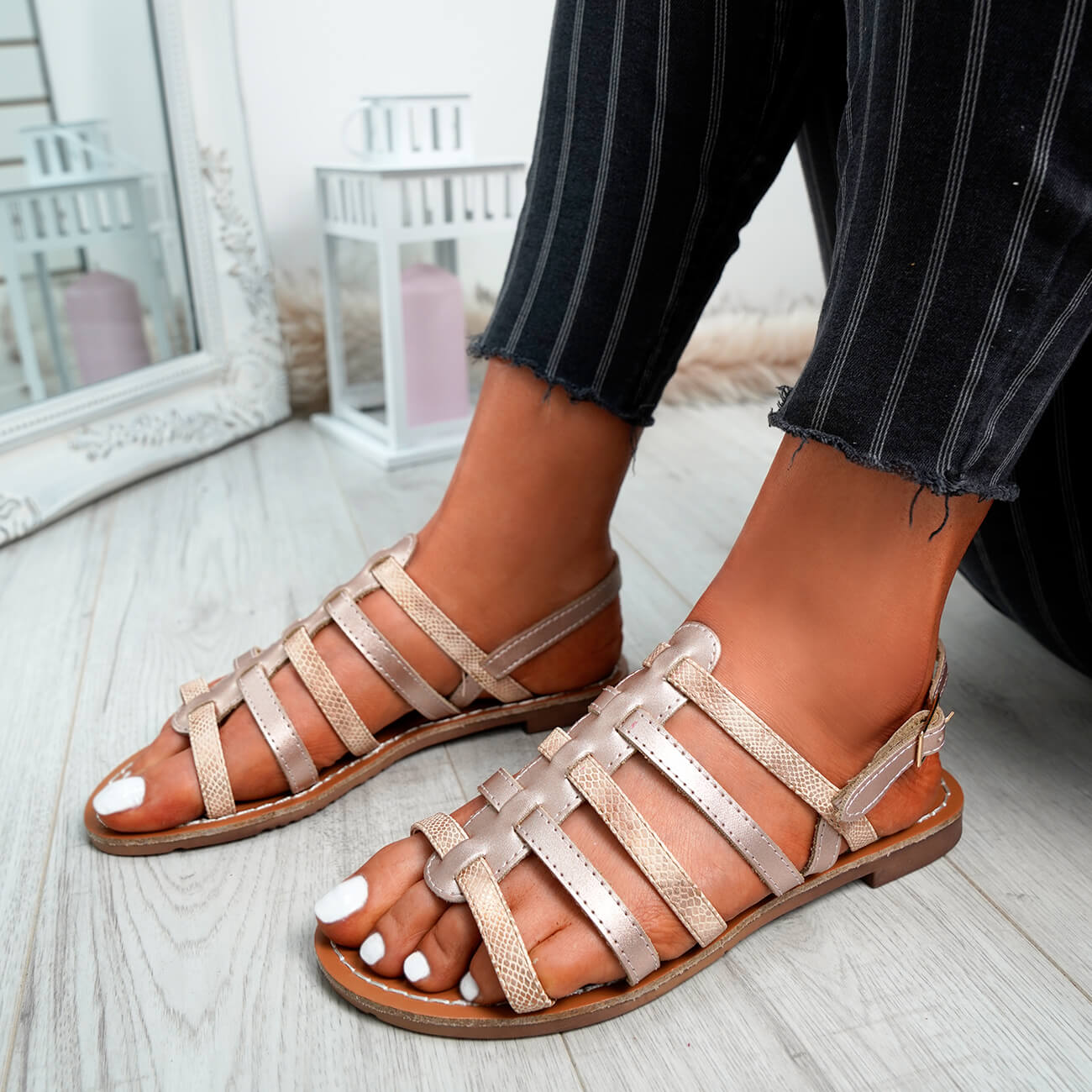 WOMENS-LADIES-BUCKLE-STRAP-FLAT-SUMMER-SANDALS-CASUAL-HOLIDAY-COMFY-SHOES-SIZE thumbnail 19