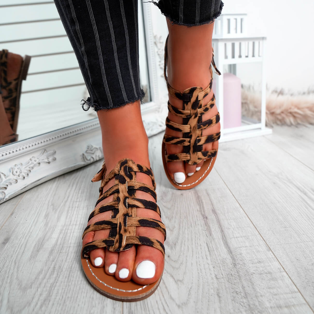 WOMENS-LADIES-BUCKLE-STRAP-FLAT-SUMMER-SANDALS-CASUAL-HOLIDAY-COMFY-SHOES-SIZE thumbnail 22