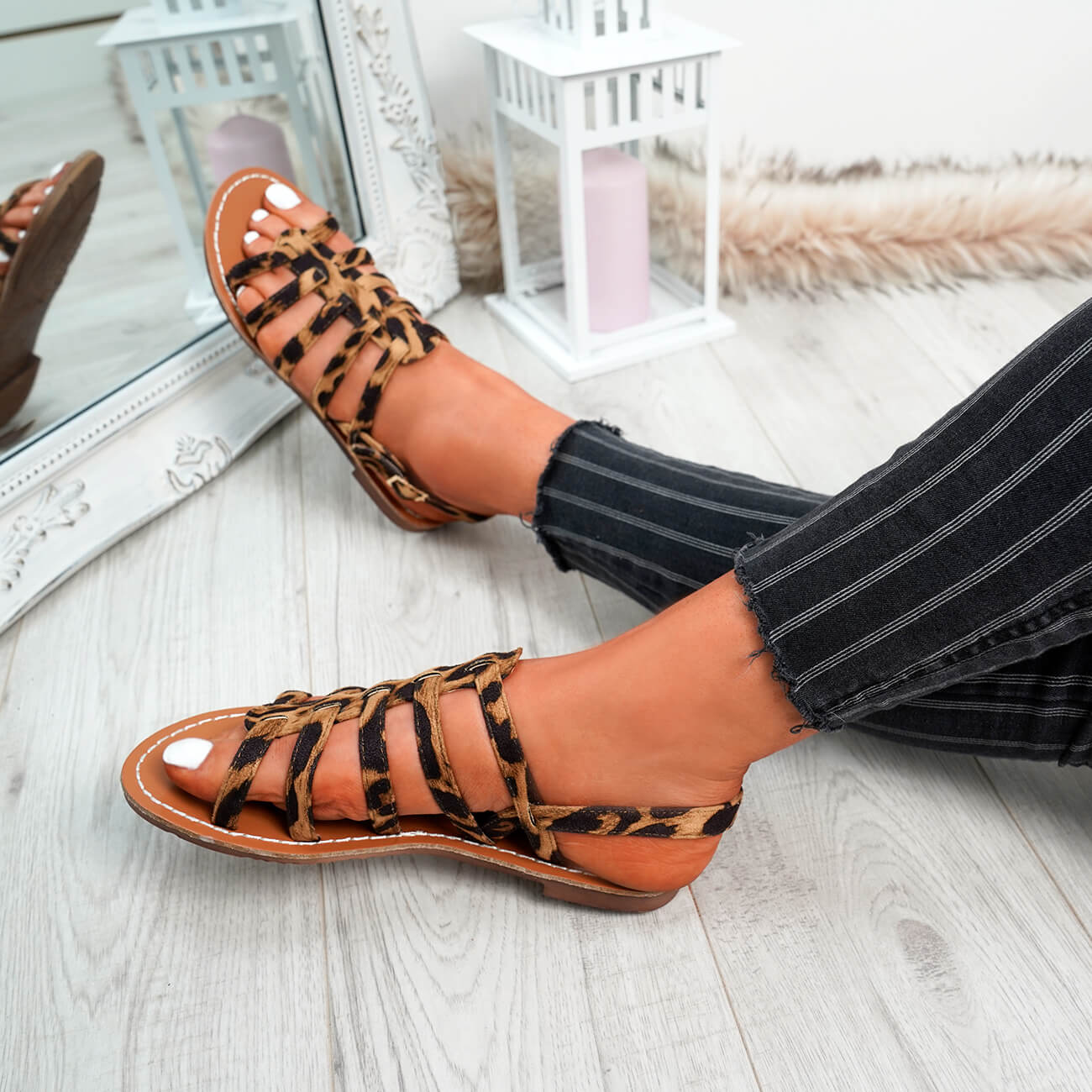 WOMENS-LADIES-BUCKLE-STRAP-FLAT-SUMMER-SANDALS-CASUAL-HOLIDAY-COMFY-SHOES-SIZE thumbnail 23