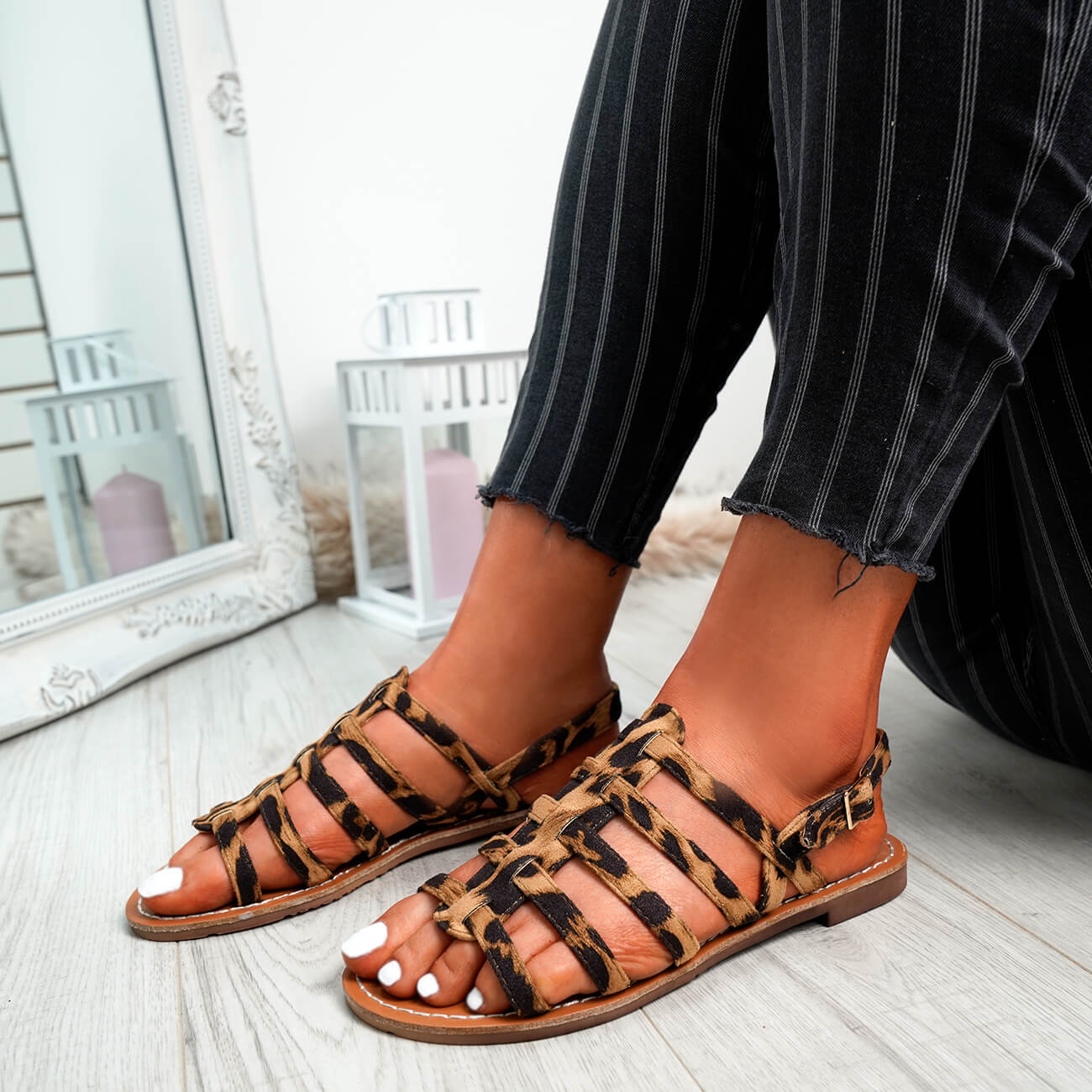 WOMENS-LADIES-BUCKLE-STRAP-FLAT-SUMMER-SANDALS-CASUAL-HOLIDAY-COMFY-SHOES-SIZE thumbnail 24