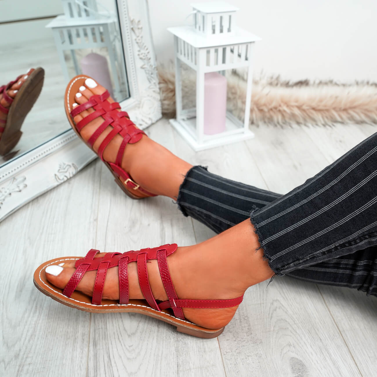 WOMENS-LADIES-BUCKLE-STRAP-FLAT-SUMMER-SANDALS-CASUAL-HOLIDAY-COMFY-SHOES-SIZE thumbnail 28