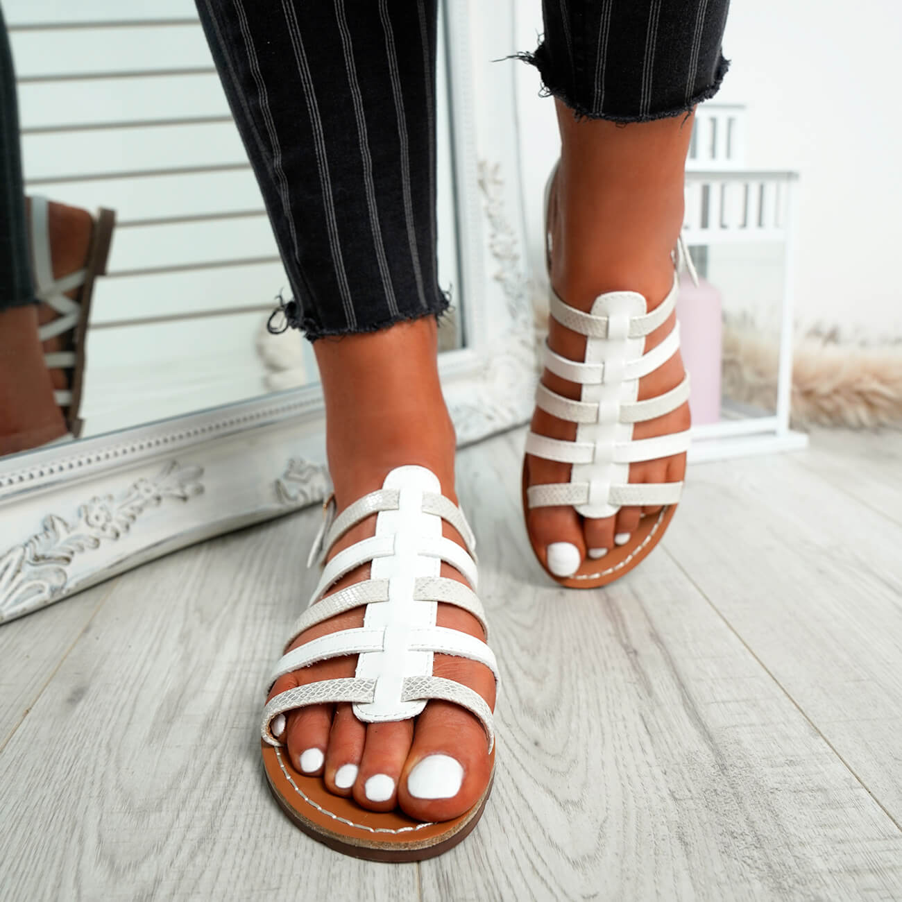 WOMENS-LADIES-BUCKLE-STRAP-FLAT-SUMMER-SANDALS-CASUAL-HOLIDAY-COMFY-SHOES-SIZE thumbnail 32