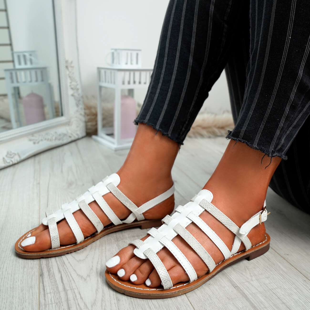 WOMENS-LADIES-BUCKLE-STRAP-FLAT-SUMMER-SANDALS-CASUAL-HOLIDAY-COMFY-SHOES-SIZE thumbnail 34