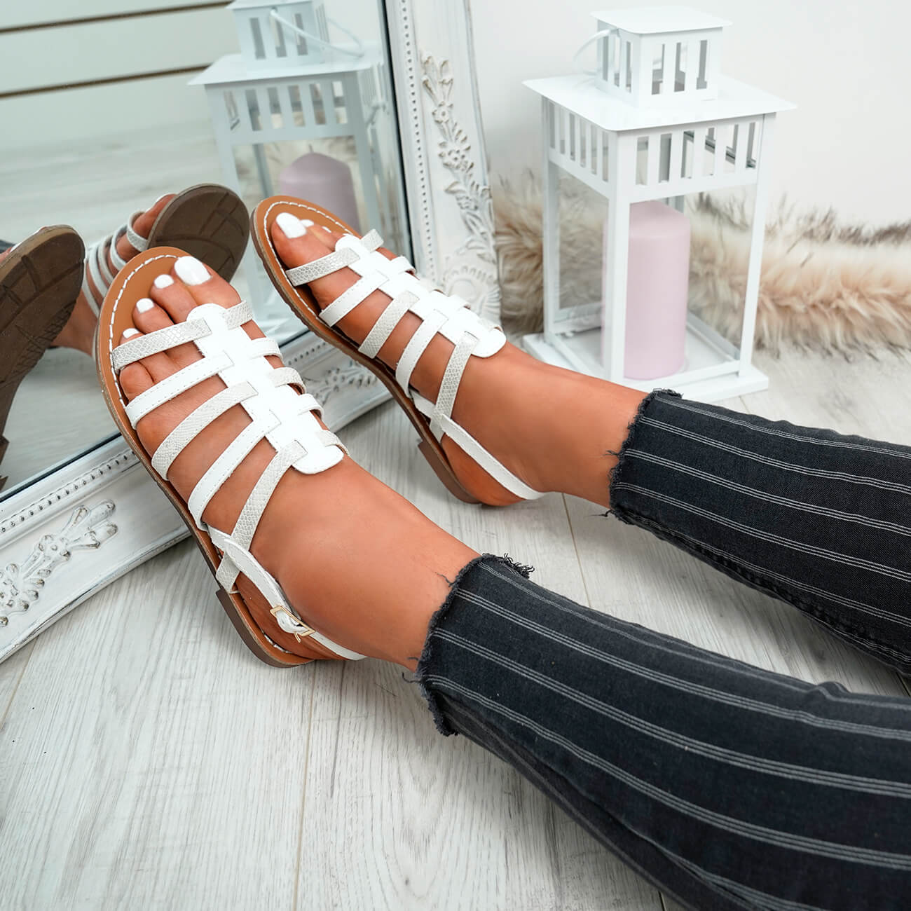 WOMENS-LADIES-BUCKLE-STRAP-FLAT-SUMMER-SANDALS-CASUAL-HOLIDAY-COMFY-SHOES-SIZE thumbnail 35
