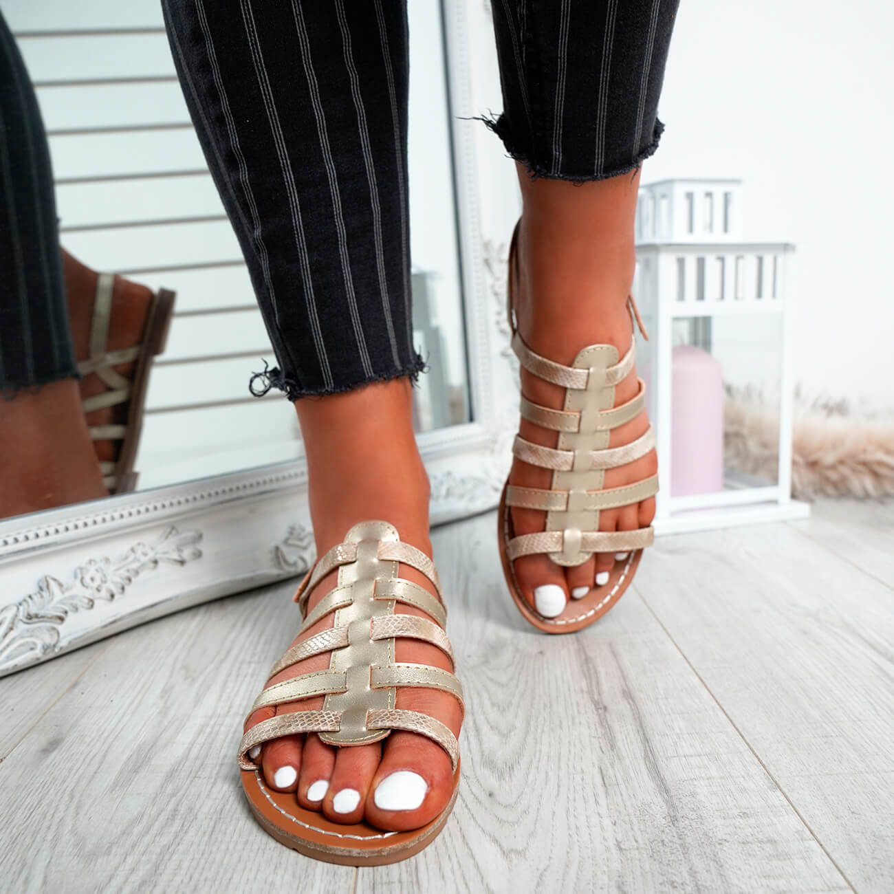 WOMENS-LADIES-BUCKLE-STRAP-FLAT-SUMMER-SANDALS-CASUAL-HOLIDAY-COMFY-SHOES-SIZE thumbnail 37