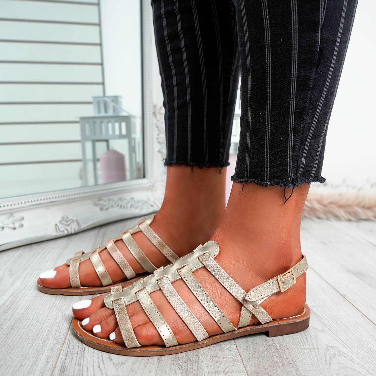 WOMENS-LADIES-BUCKLE-STRAP-FLAT-SUMMER-SANDALS-CASUAL-HOLIDAY-COMFY-SHOES-SIZE thumbnail 40