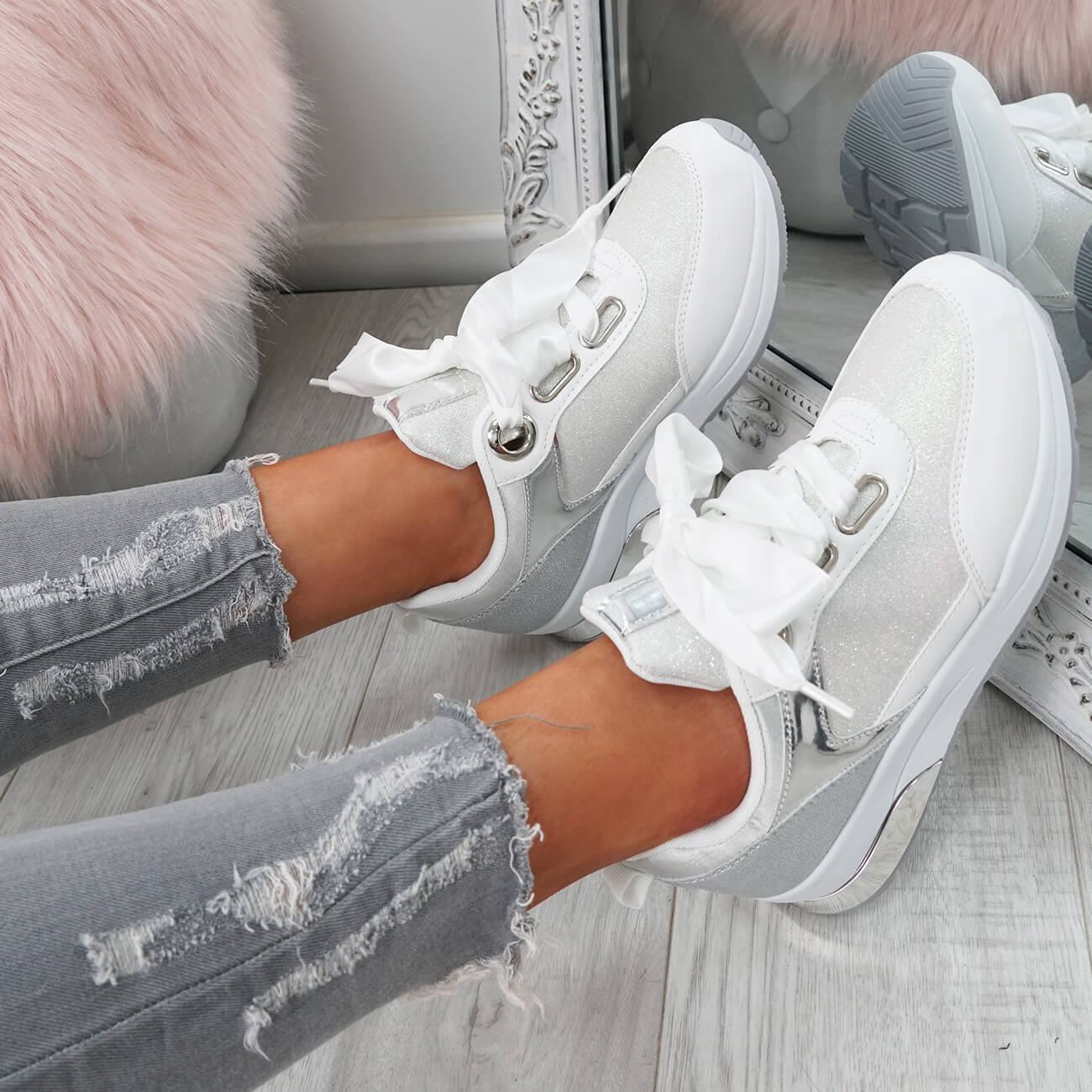 WOMENS-LADIES-RIBBON-TRAINERS-GLITTER-SPARKLE-SNEAKERS-RUNNING-FASHION-SHOES thumbnail 18