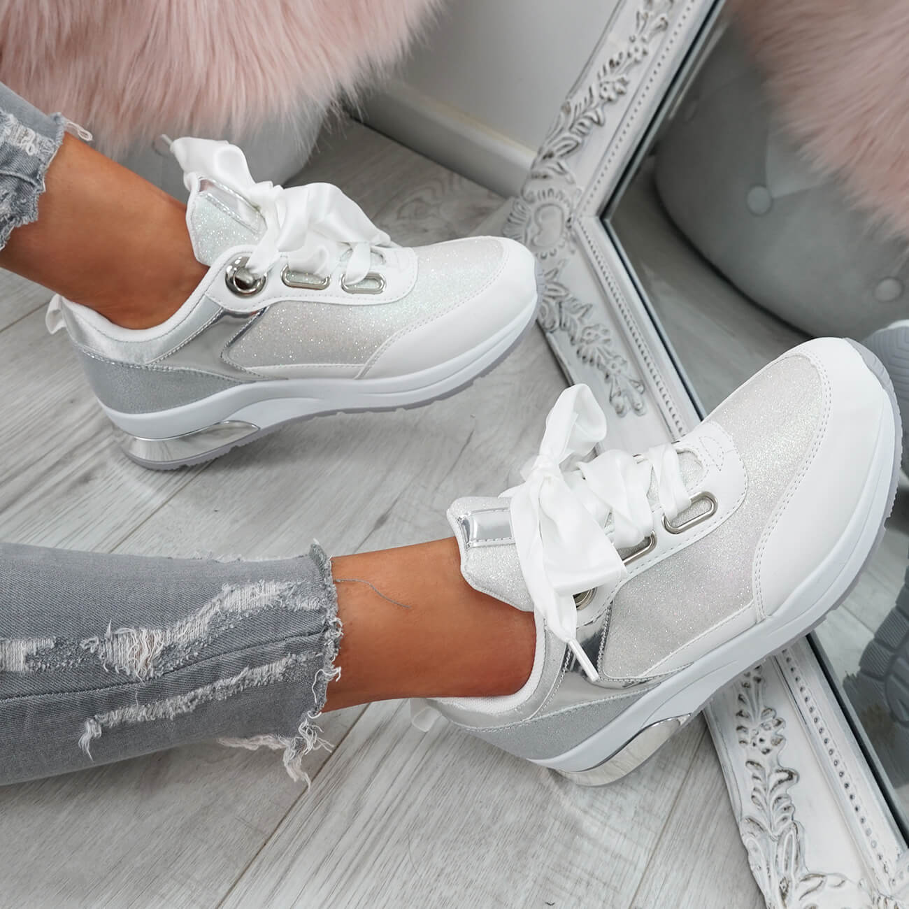 WOMENS-LADIES-RIBBON-TRAINERS-GLITTER-SPARKLE-SNEAKERS-RUNNING-FASHION-SHOES thumbnail 19