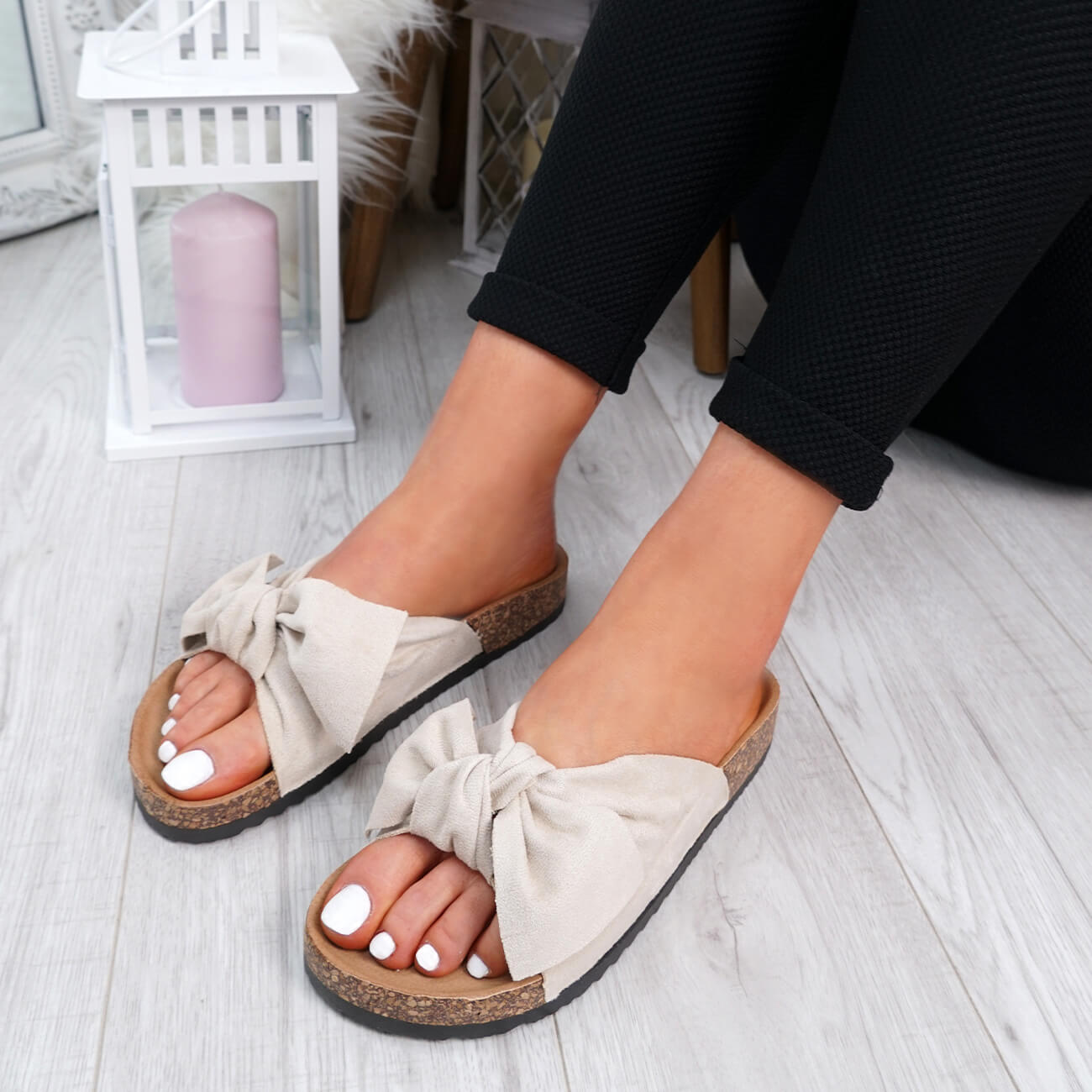 WOMENS-LADIES-SLIP-ON-FLAT-SANDALS-BOW-SLIDERS-SUMMER-CASUAL-SHOES-SIZE thumbnail 7