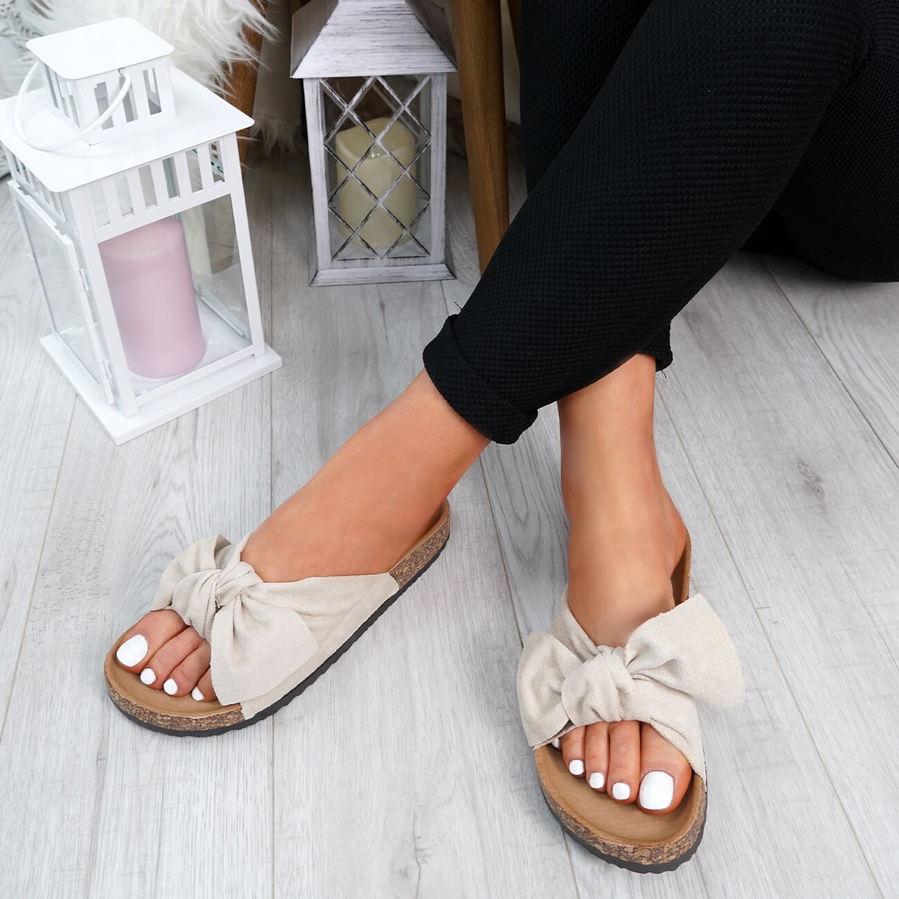 WOMENS-LADIES-SLIP-ON-FLAT-SANDALS-BOW-SLIDERS-SUMMER-CASUAL-SHOES-SIZE thumbnail 9